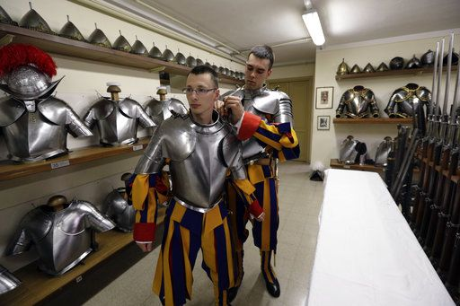 World's oldest standing army has 40 new Swiss Guards
