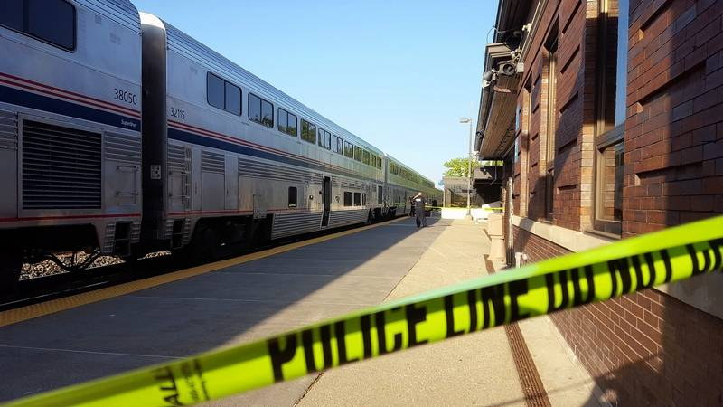 police passengers stopped man who shot at conductor at naperville metra station. Black Bedroom Furniture Sets. Home Design Ideas