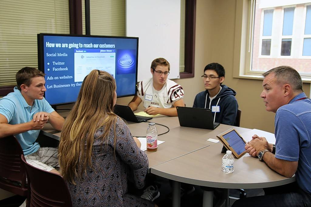 Five teams of Prairie Ridge High School students will vie for cash prizes Monday in the Crystal Lake school's first Business Incubator Pitch Night.