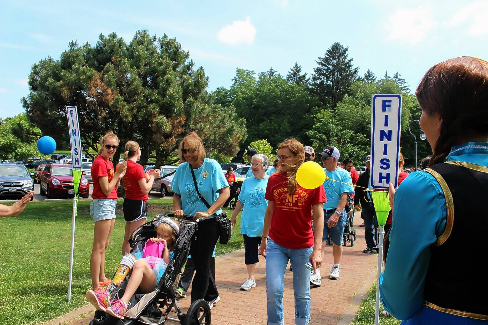 The Great Steps 4NF Walk raises money to support NF Midwest's efforts to improve care for those with neurofibromatosis as well as to fund research.