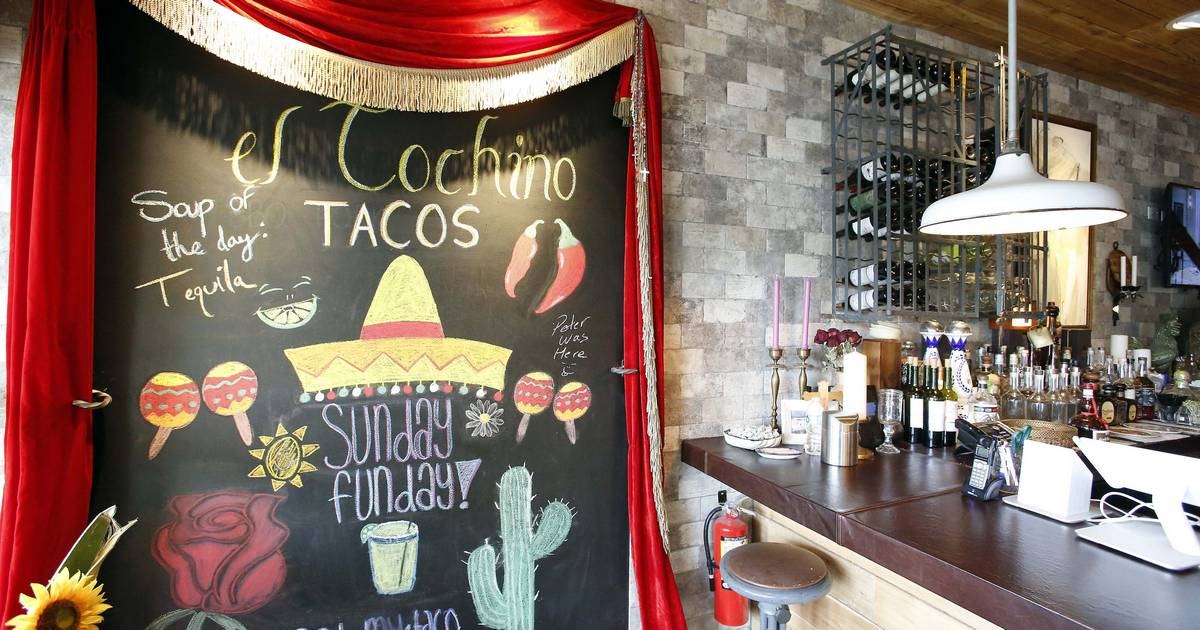 el cochino plates ethnic fusion tacos in lake in the hills