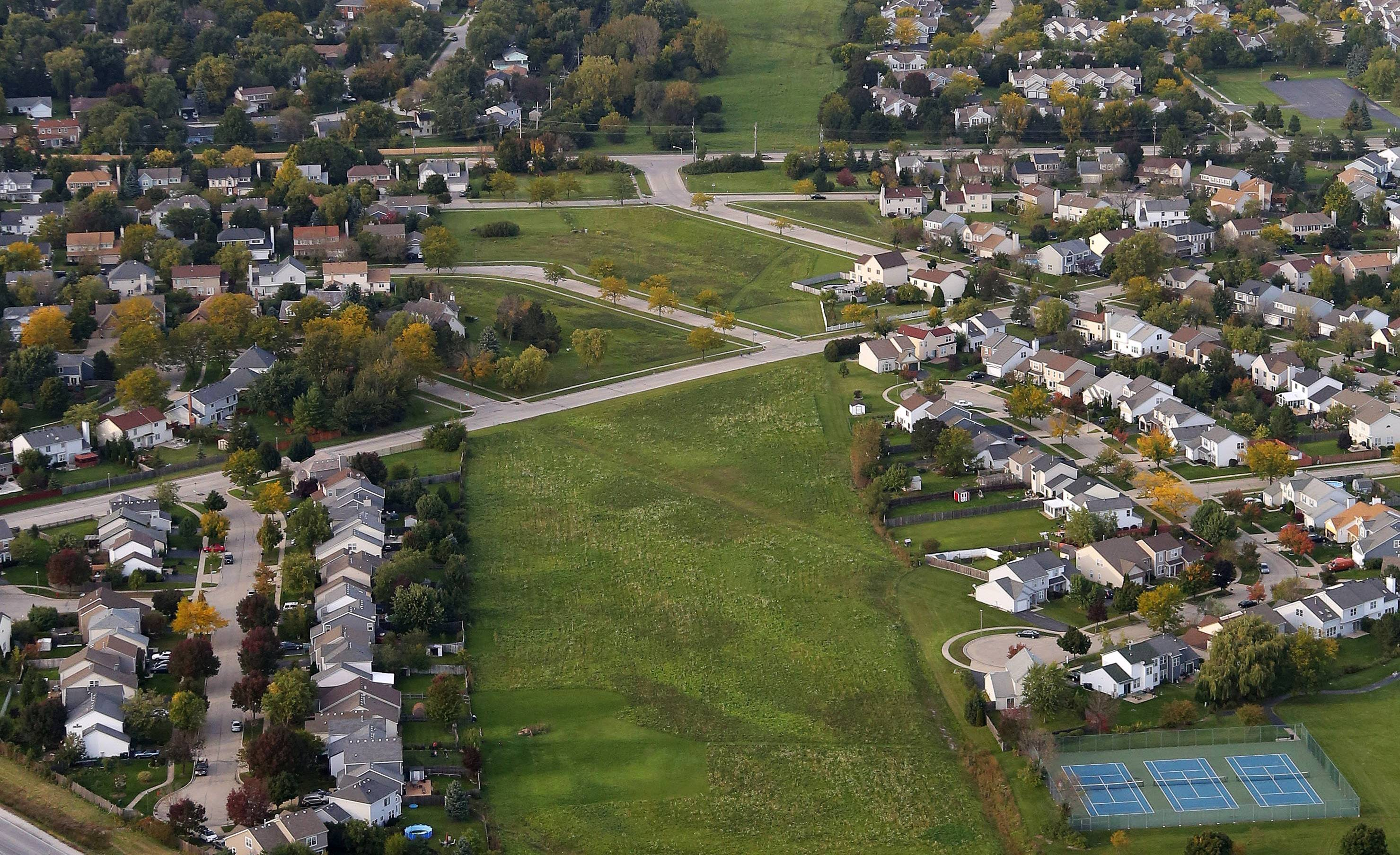 A possible Route 53 path cuts through a Mundelein subdivision.