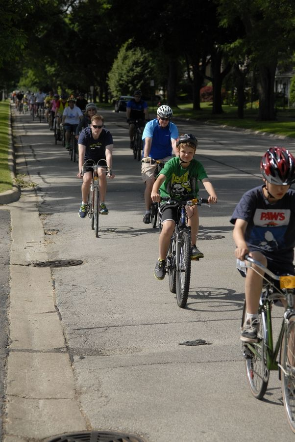 A bicycle-pedestrian plan is being considered by the Arlington Heights Bicycle and Pedestrian Advisory Commission.
