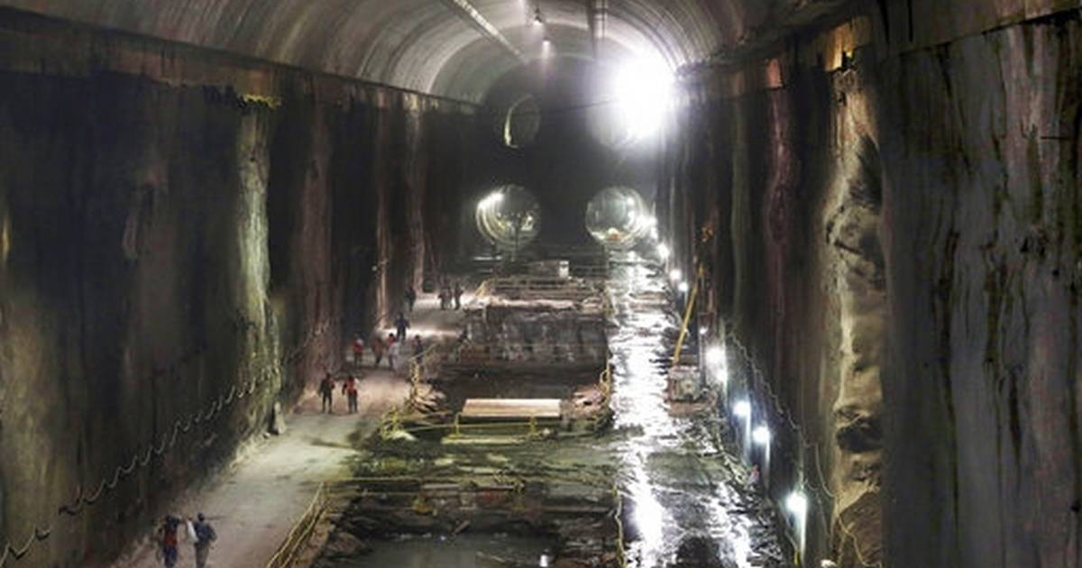 Long-delayed tunnel project leaves NY rail riders in lurch