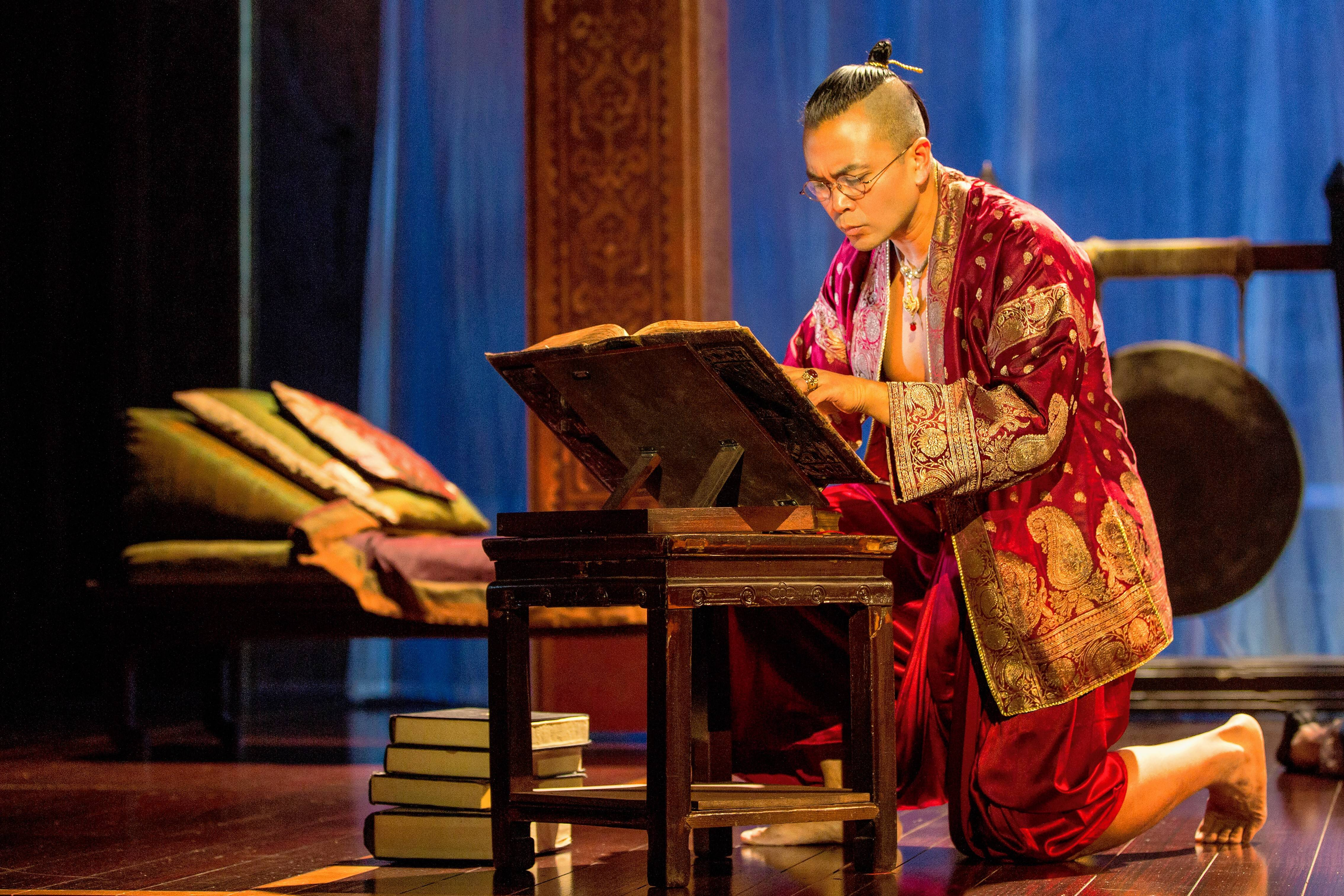Broadway vet tours back to Chicago as 'The King and I' lead