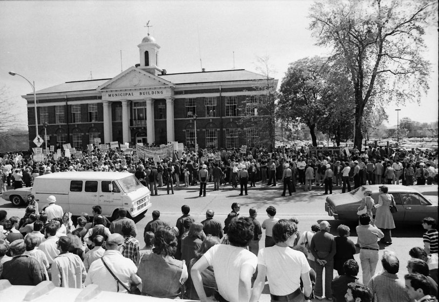 Daily Herald File Photo, 1977An anti-Nazi rally outside the Skokie municipal building in May 1977.