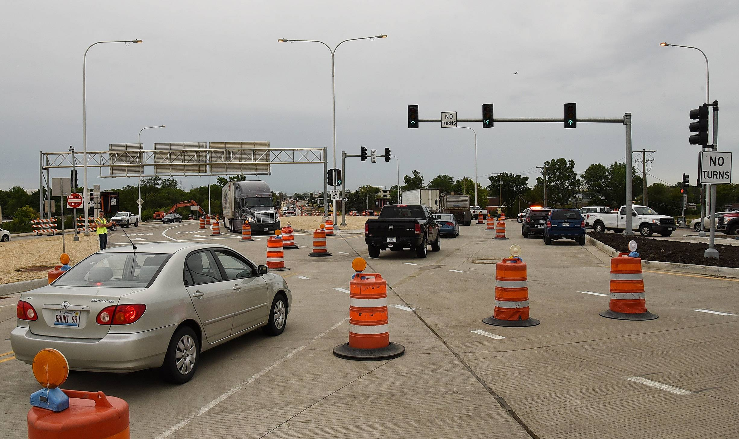 Diverging diamond interchange opens at Elmhurst Road and I-90