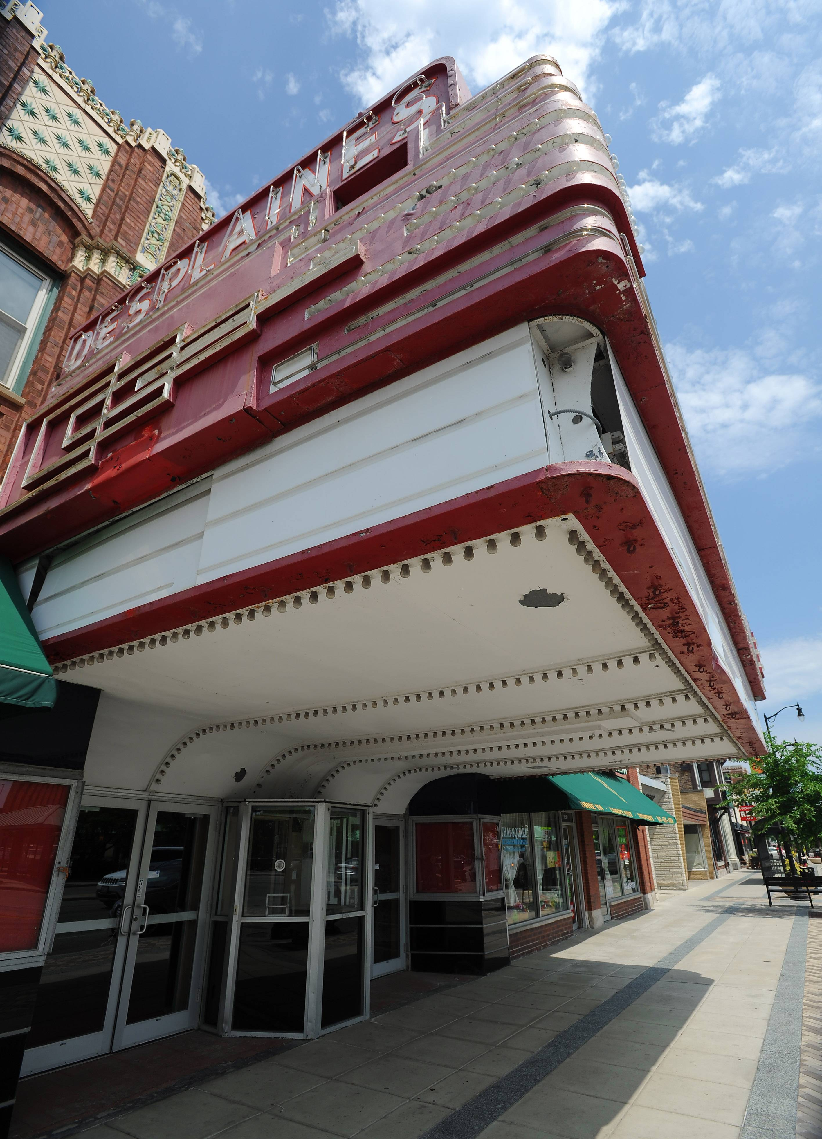 The Des Plaines Theatre in the city's downtown sits vacant as the city considers a plan to split a $4 million cost with Rivers Casino to buy and renovate the building.