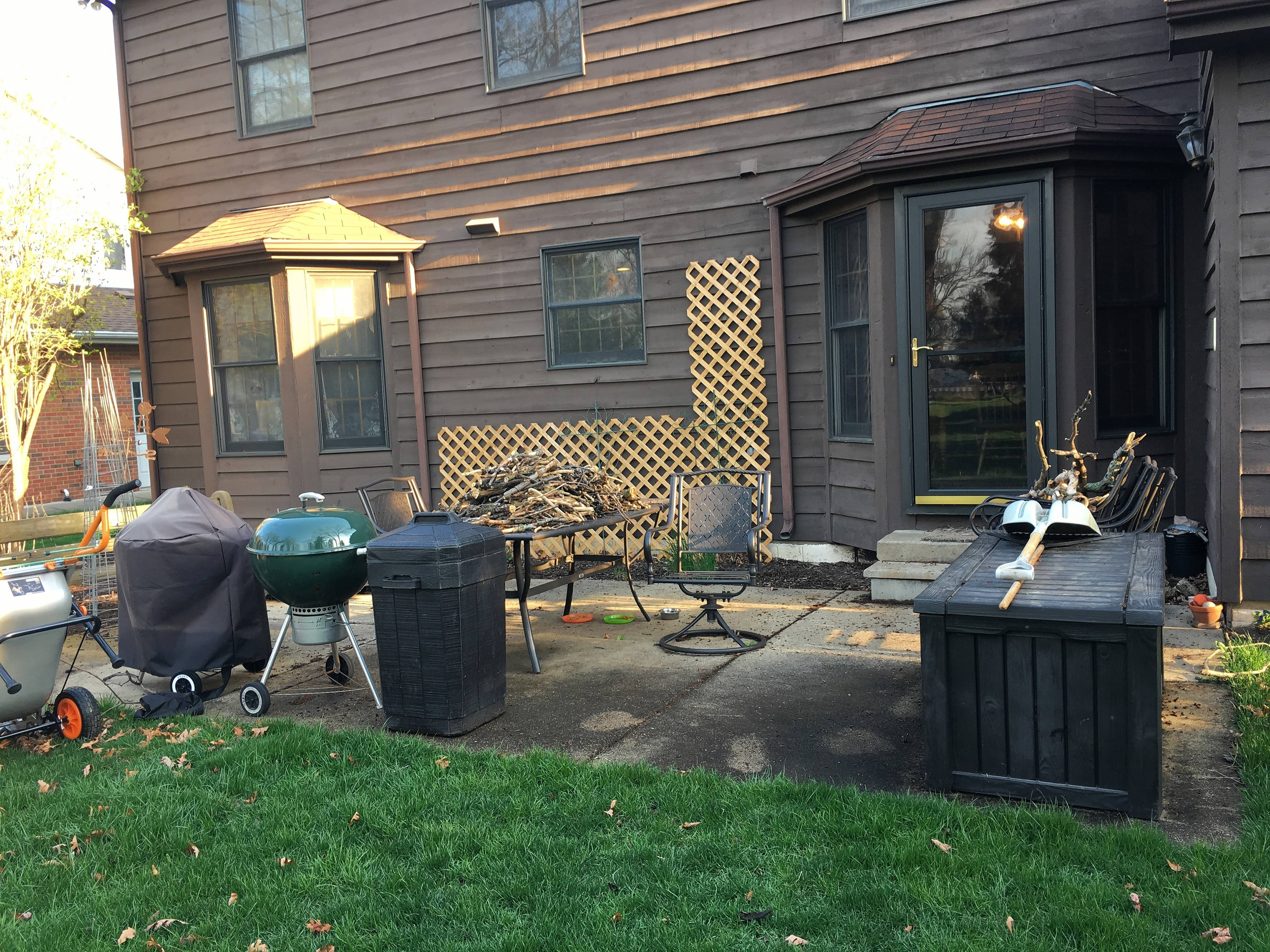 Merveilleux Shirley Allison Of Des Plaines Says Her Patio Has Pretty Much Become A Work  Area That