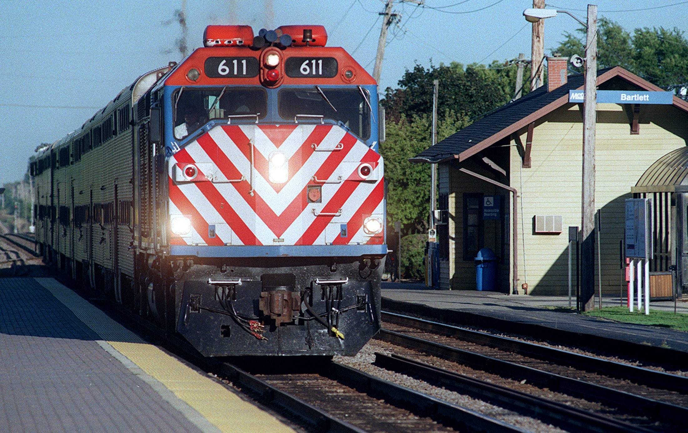 Metra is hiring state and federal lobbyists for a total of more than $2.7 million.