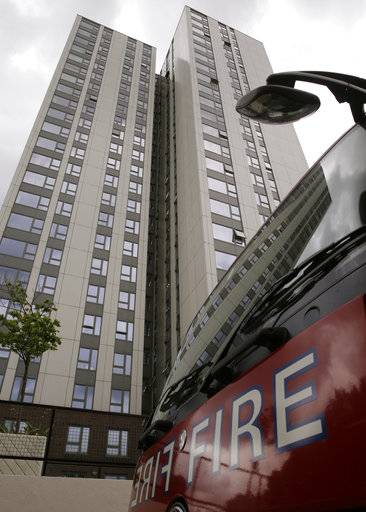 London council evacuates tower blocks as fire fallout widens