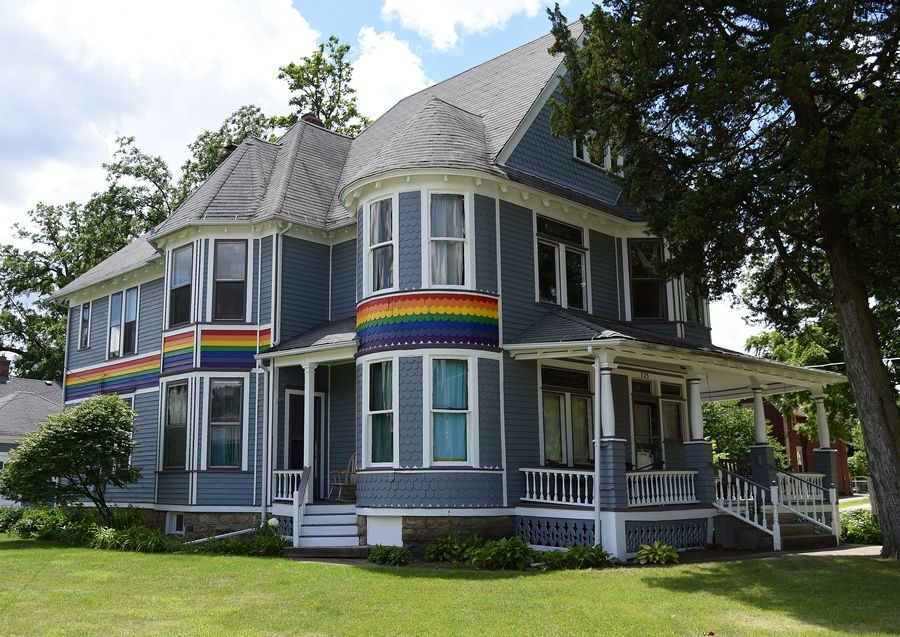Pleasing Why An Elgin Man Says He Painted Rainbow On Victorian Home Interior Design Ideas Clesiryabchikinfo