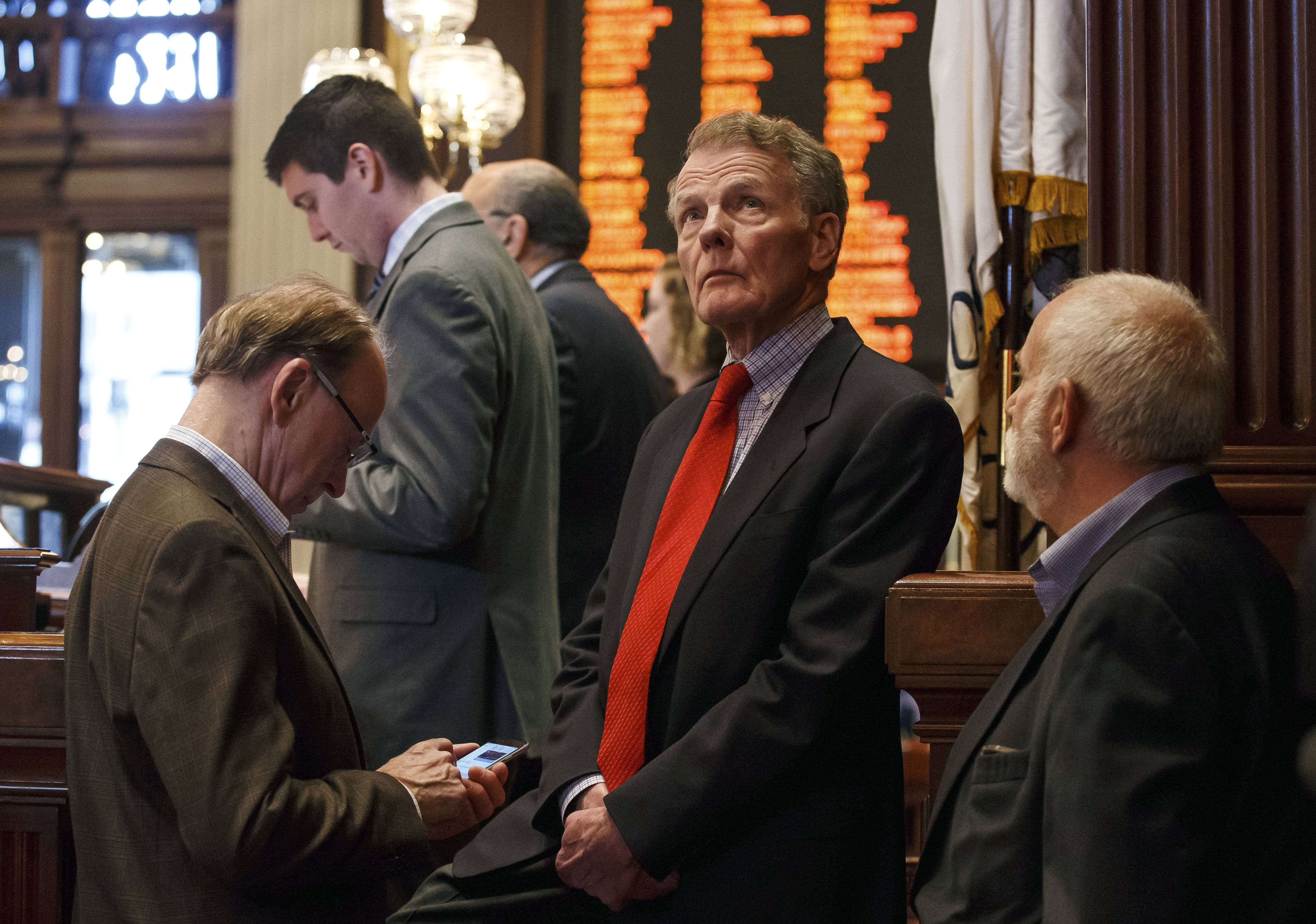 Credit rating agencies to Illinois lawmakers: Take the budget deal