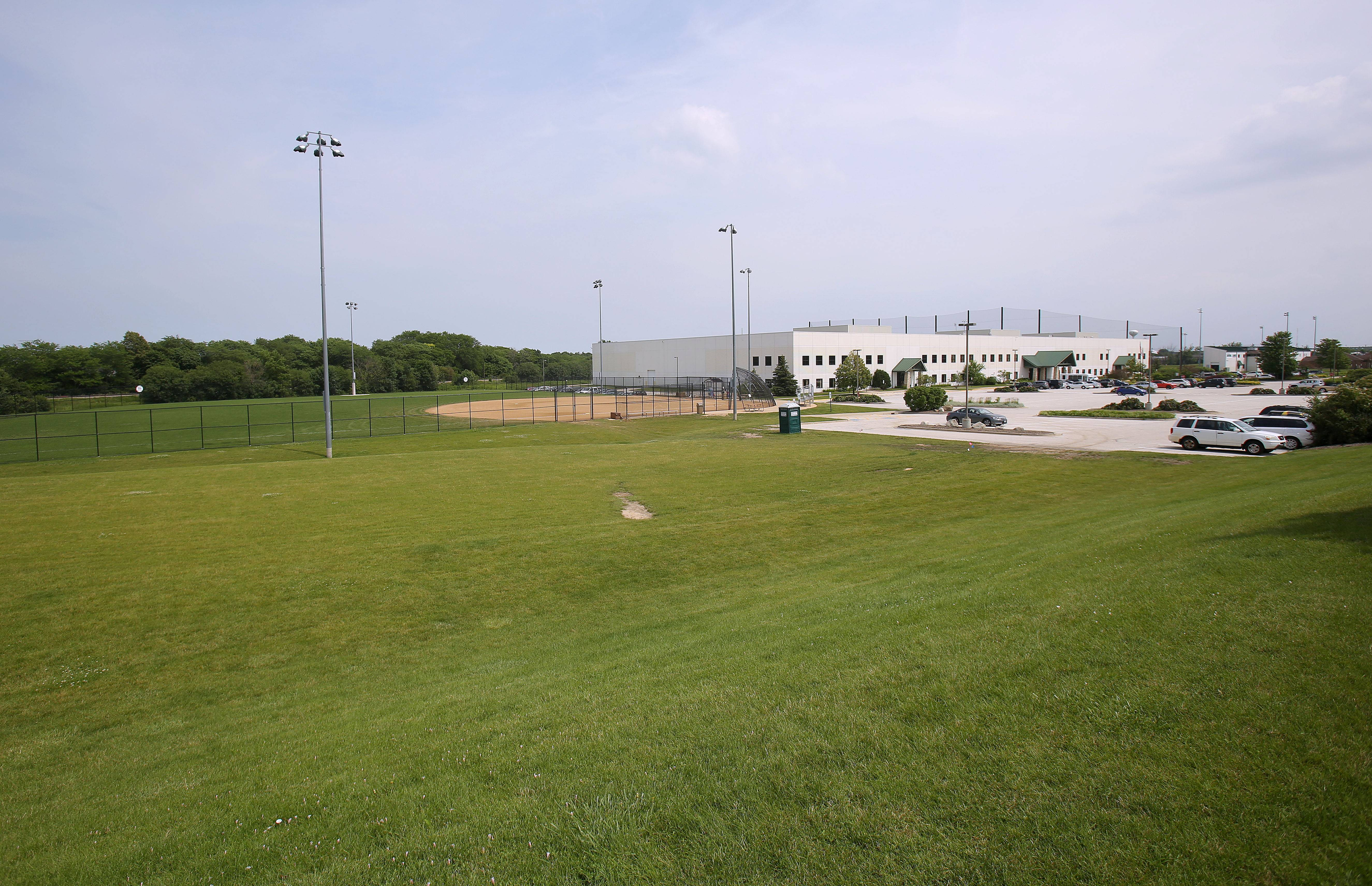 A hockey rink to replace one that was dismantled at the former Bolander Park will be built at the Libertyville Sports Complex. The village board last week approved a contract for $374K to build the rink, which will be located adjacent to the softball field.