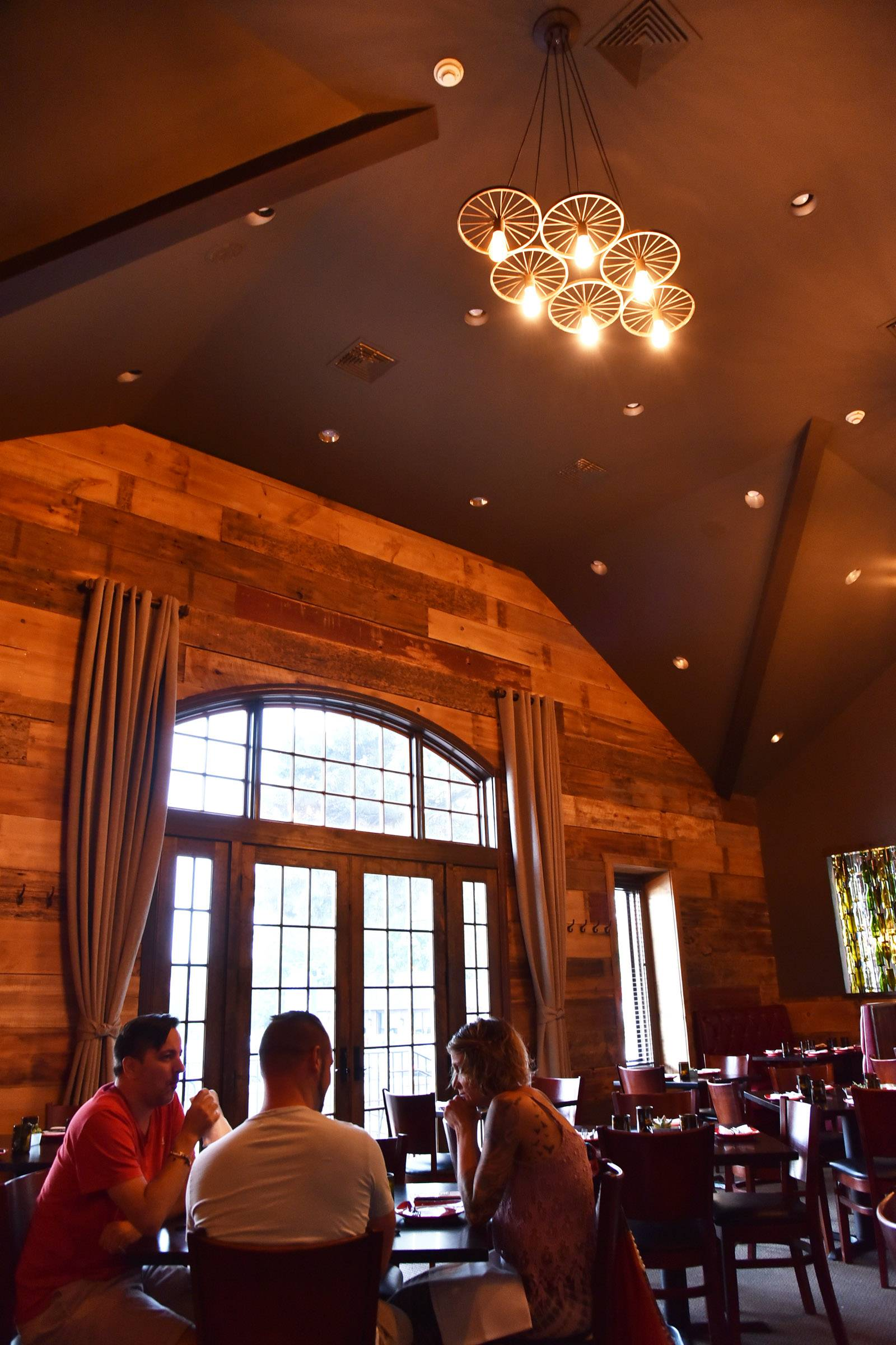 Crystal Lakes New M Supper Club Re Creates Wisconsin Supper Club