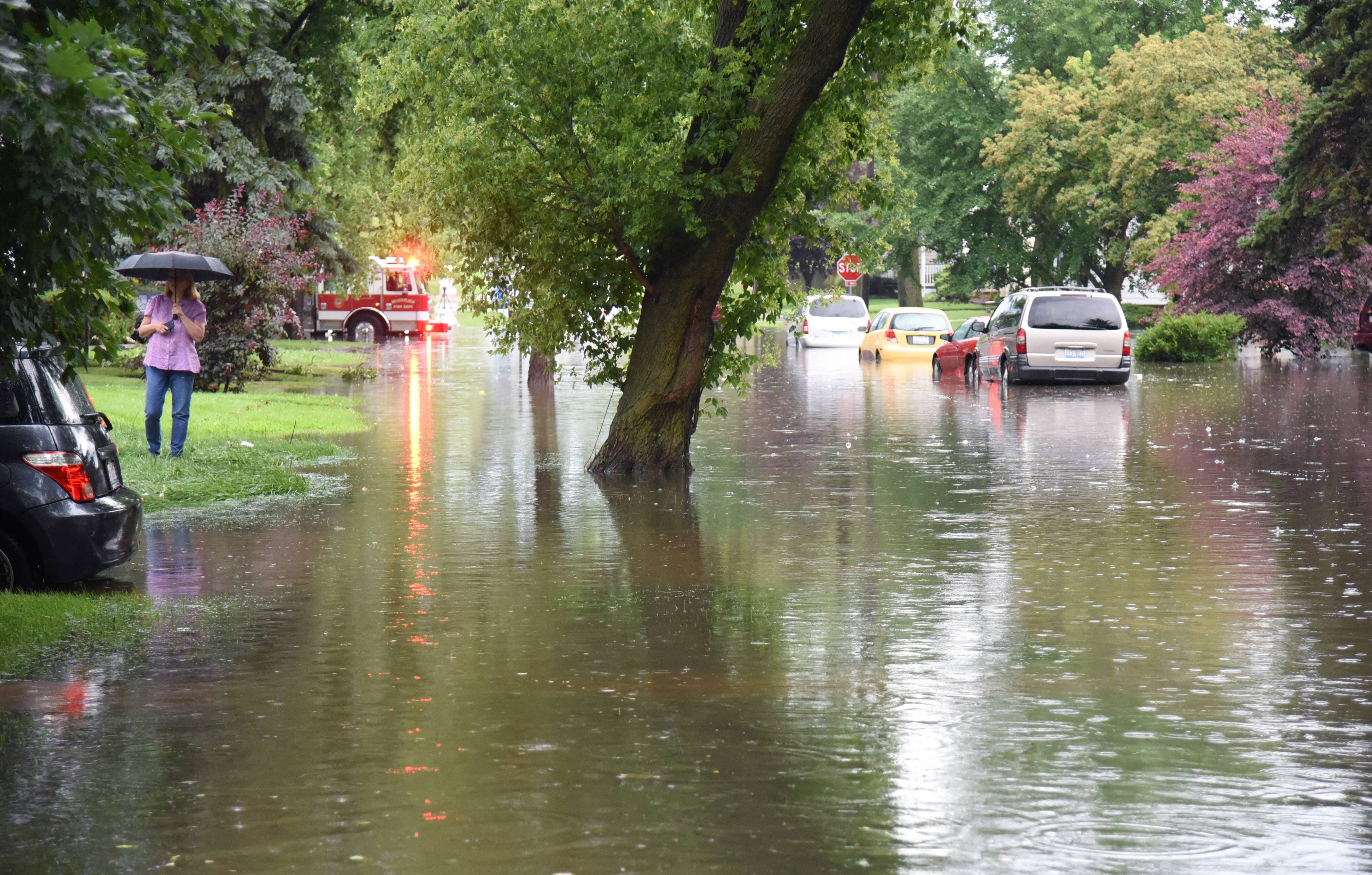 River Towns Brace For Record Breaking Flooding