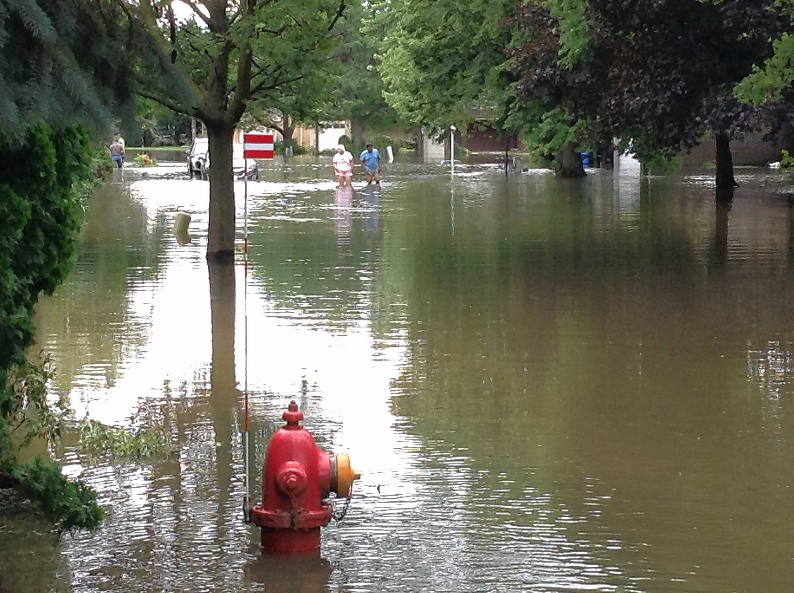 Surrounded by Des Plaines floodwaters, residents mull buyout program
