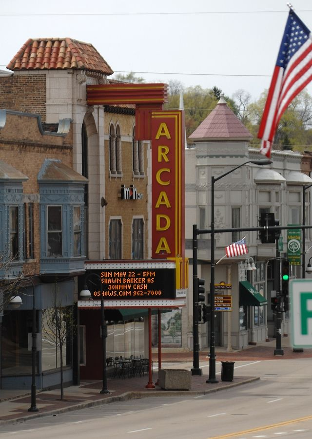 The Arcada Theater in downtown St. Charles.
