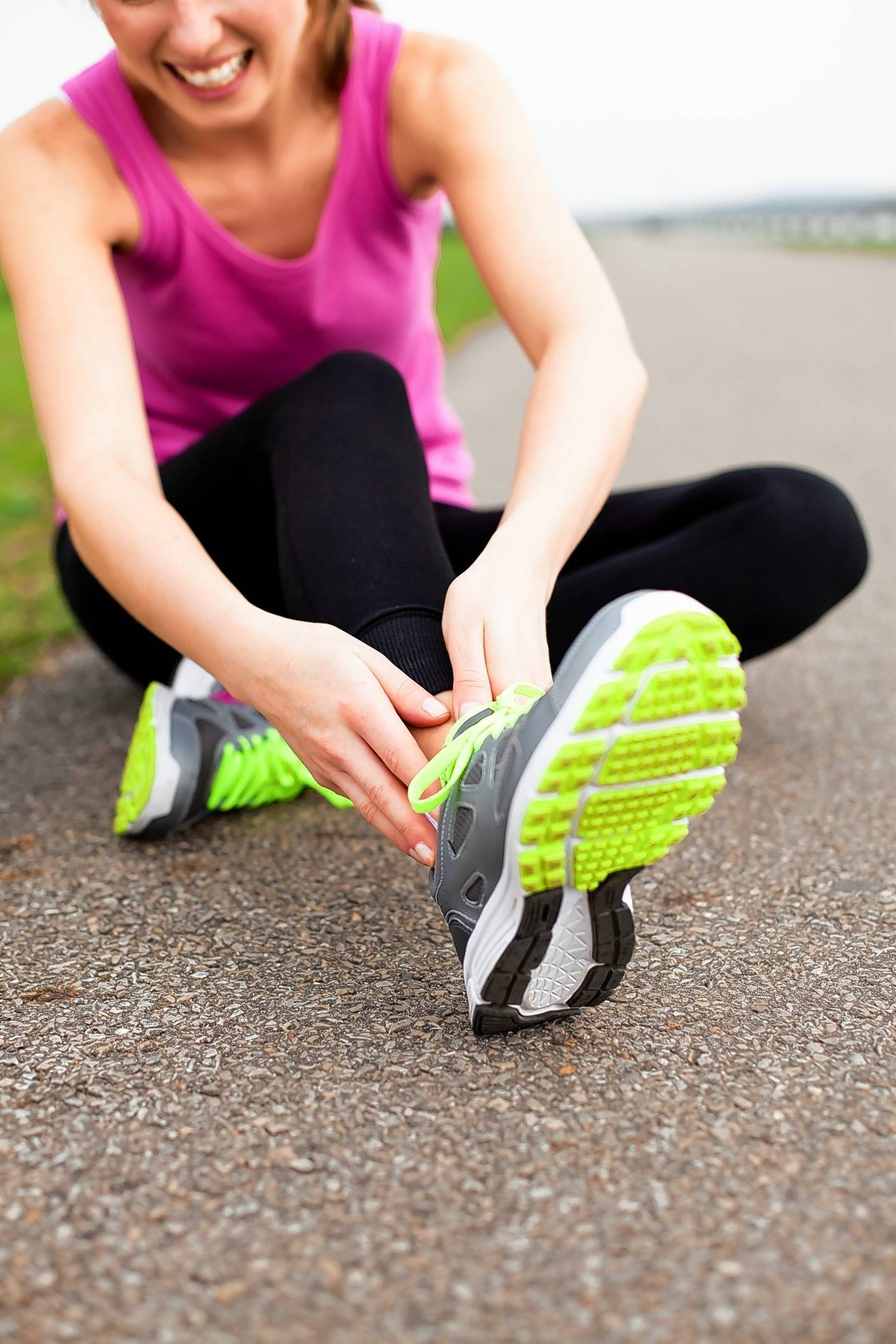 Female runners with a low BMI appear to be more prone to stress fractures, a new study says.