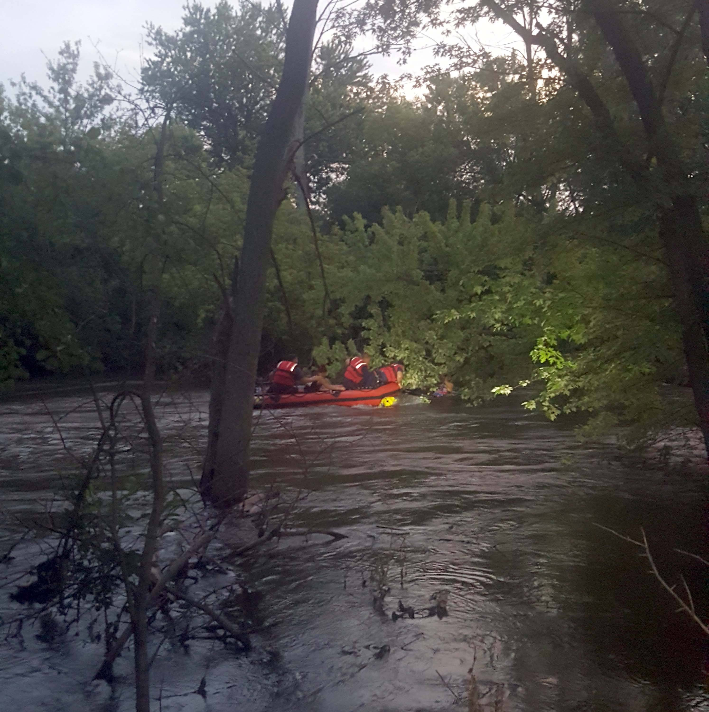 2 women rescued from Fox River in North Aurora