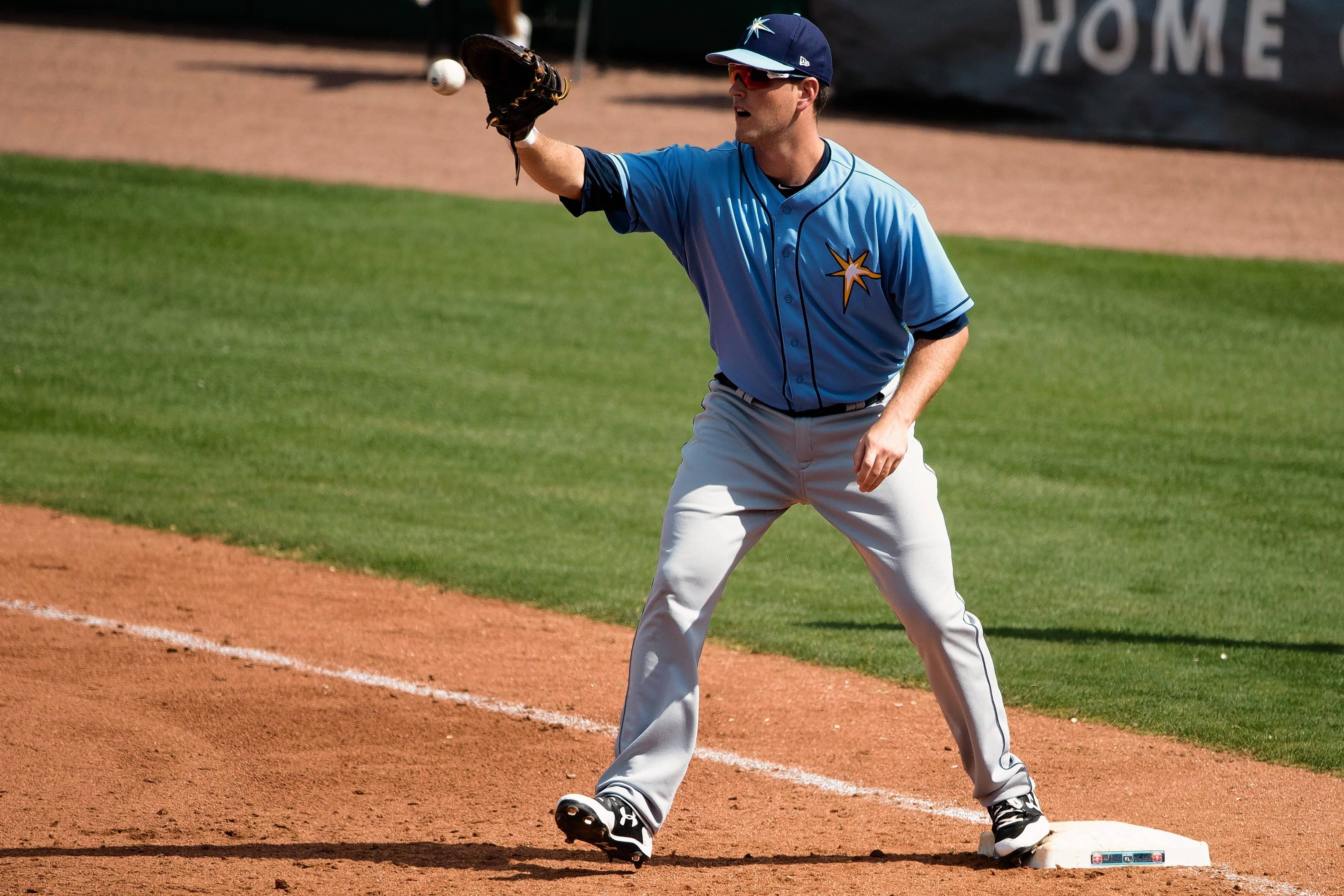 The Chicago White Sox obtained Tampa Bay Rays prospect Casey Gillaspie in a trade Thursday for reliever Dan Jennings.