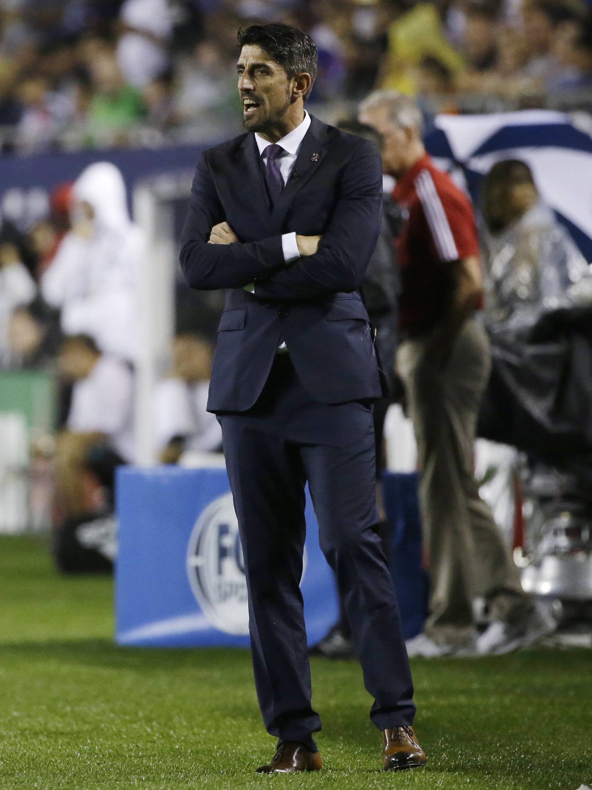 MLS All-Stars coach Veljko Paunovic talks to his players during the first half of the MLS All-Star Game against Real Madrid, Wednesday in Chicago.