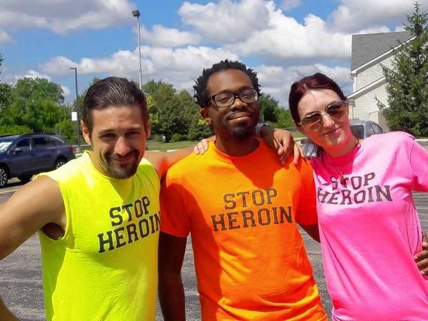 streamwood residents walk for heroin awareness