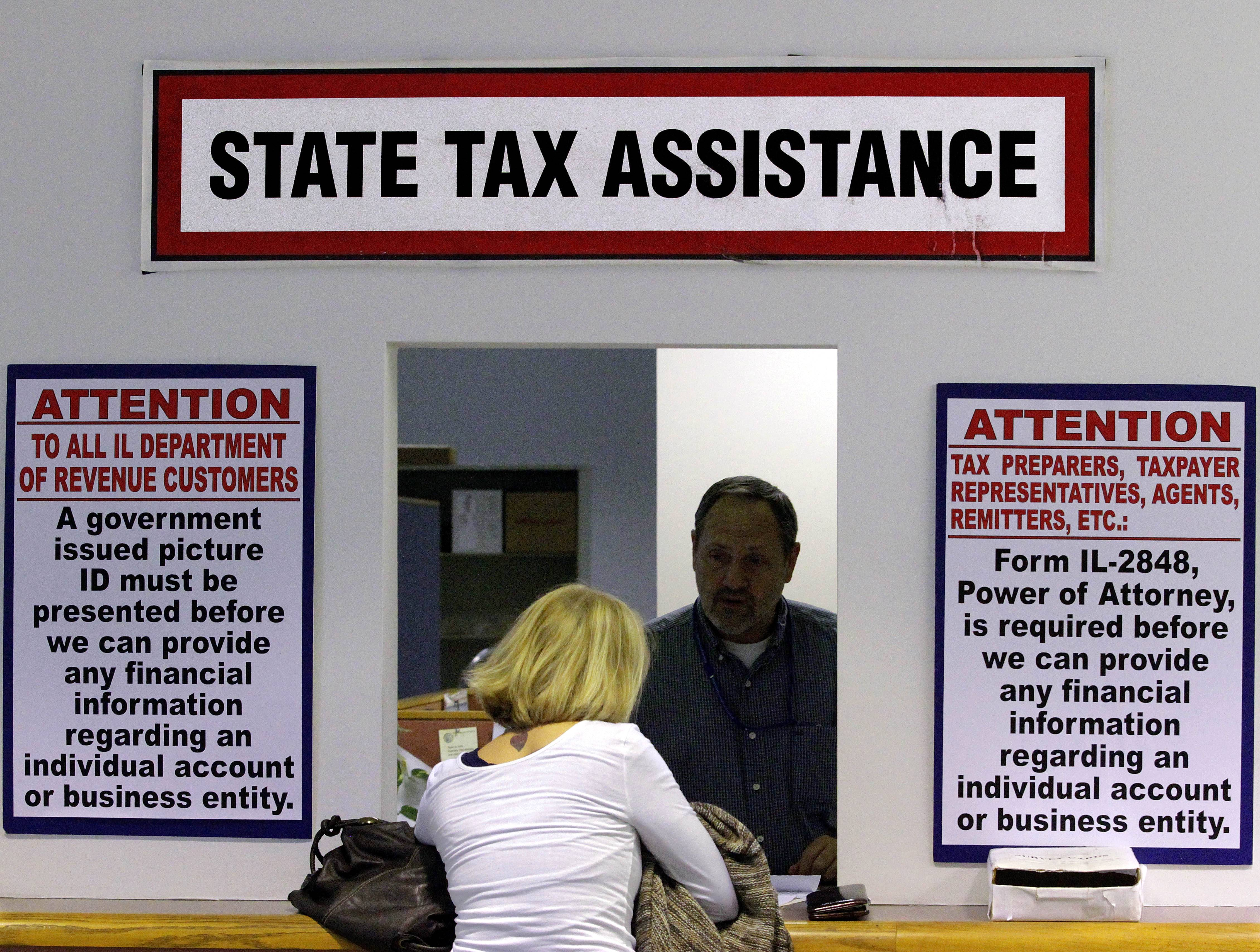 Taxpayers in Chicago and the suburbs were responsible in 2015 for a larger portion of state income taxes than in at least eight years, according to Illinois Department of Revenue figures released this week.