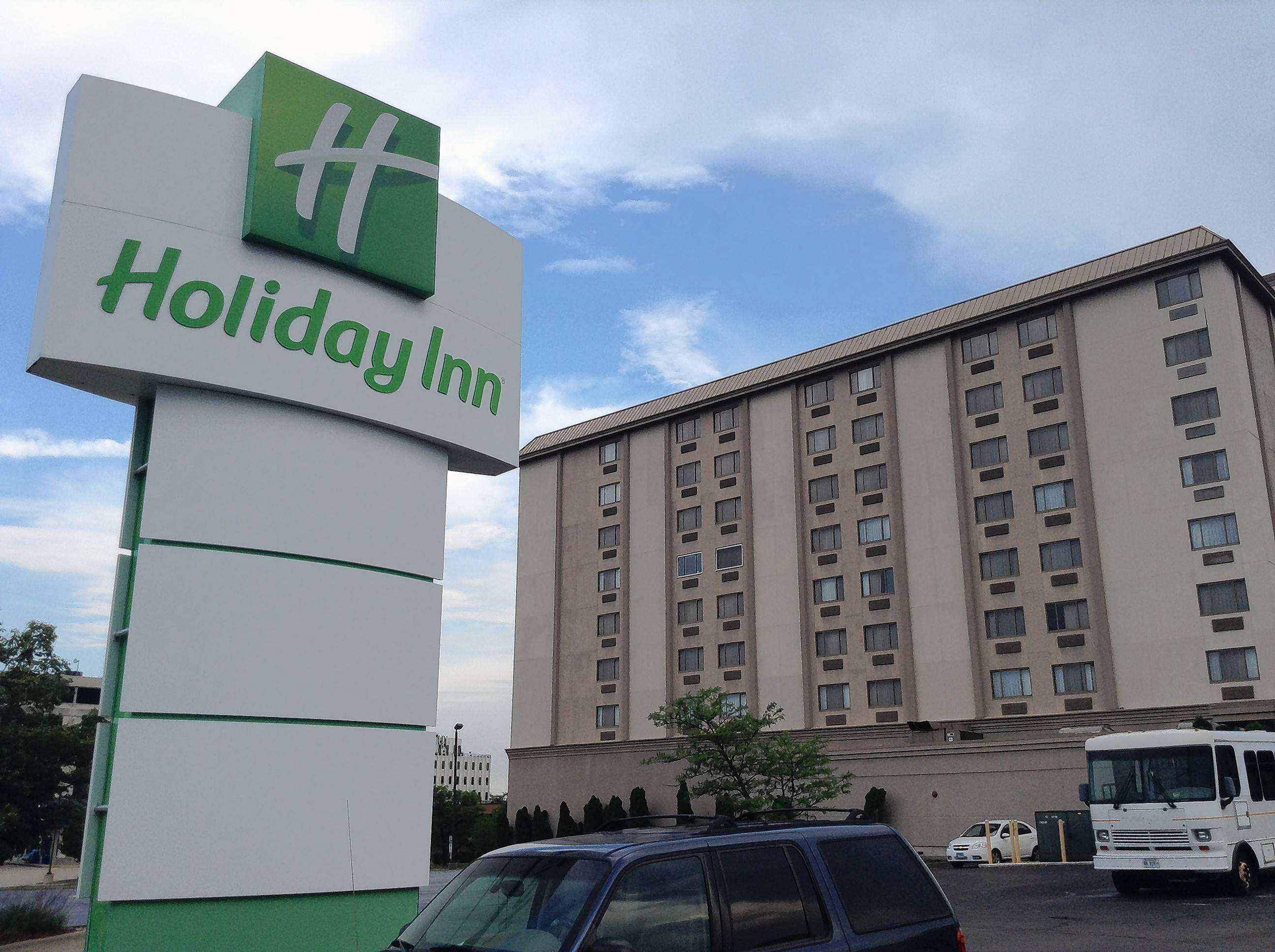 The nine-story Holiday Inn on Algonquin Road in Rolling Meadows will be converted to an Aloft hotel under redevelopment plans. Aldermen this week endorsed the developer's application for a Cook County 7b tax incentive.