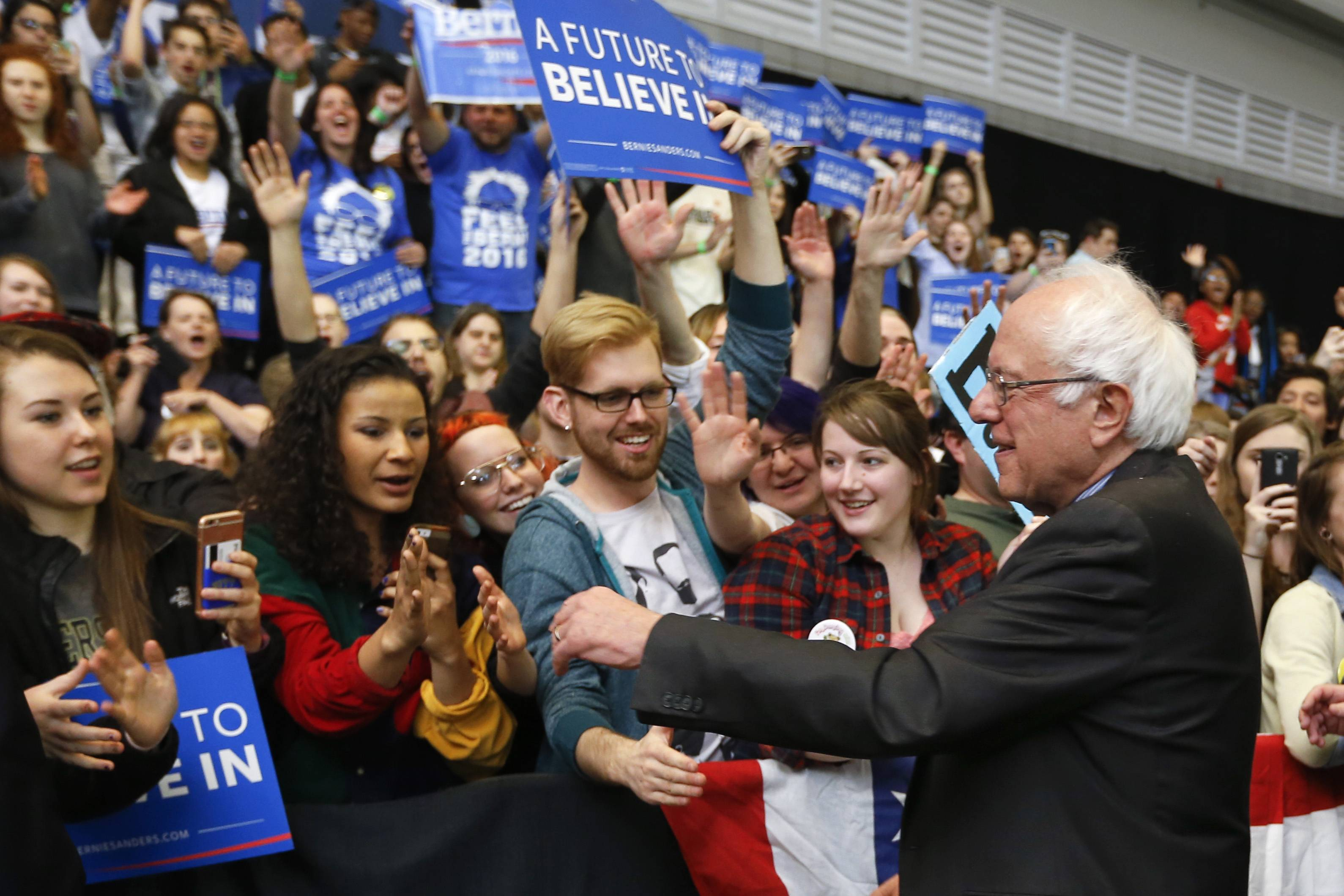 Former Democratic presidential candidate Bernie Sanders will speak later this month at the Paramount Theatre in Aurora and to all sophomore students in Naperville Unit District 203.