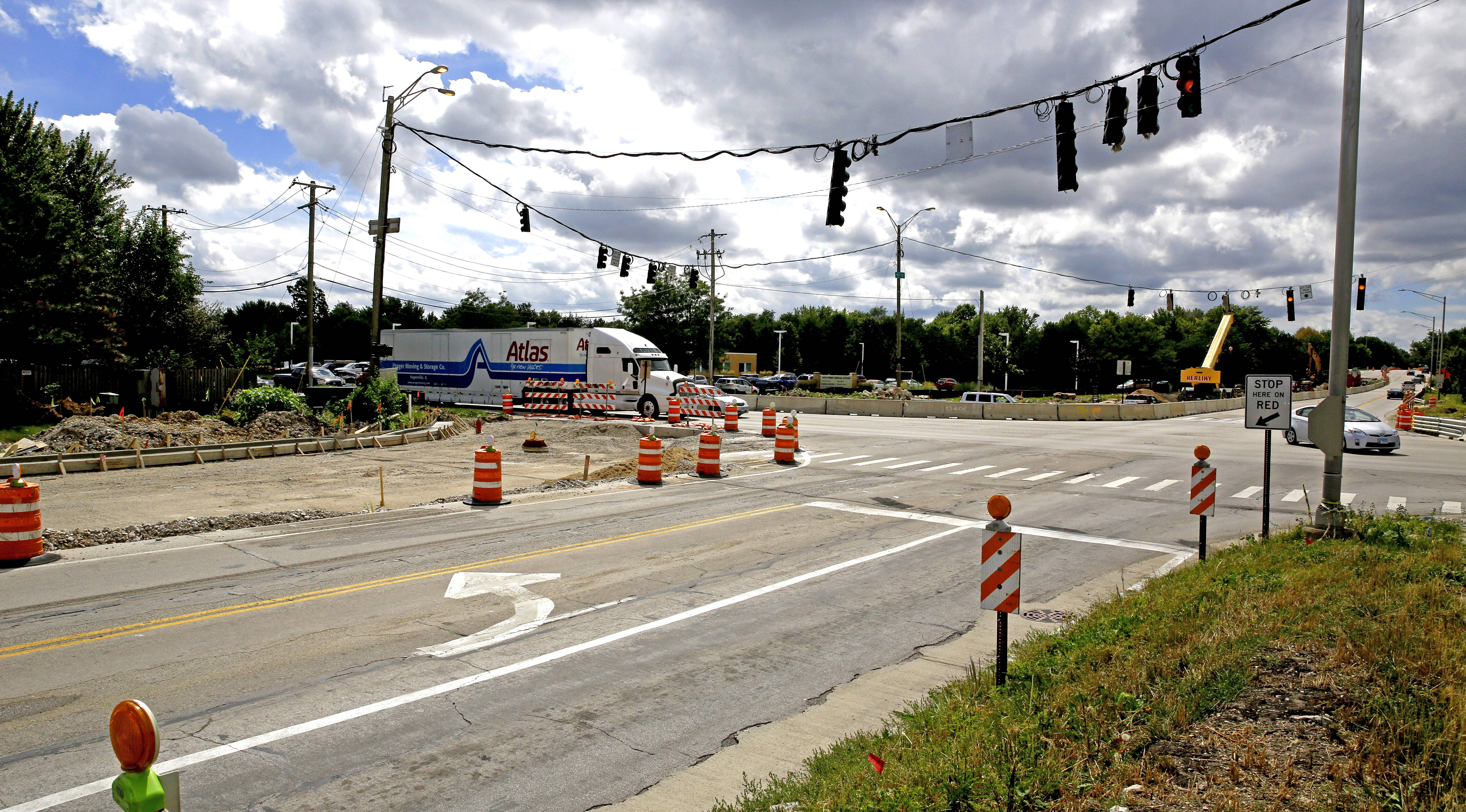 A $6.5 million construction project to add turn lanes at 95th Street and Plainfield/Naperville Road in Naperville does not include a sound wall behind homes at the intersection's northwest side, which has residents calling for one to be added.
