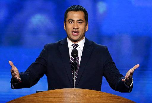 "FILE - In this Sept. 4, 2012 file photo, Actor Kal Penn addresses the Democratic National Convention in Charlotte, N.C. Penn, artist Chuck Close and virtually the entire membership of the President's Committee On the Arts and Humanities have announced their resignation. In a letter released this week, Aug. 18, 2017, 17 committee members cited the ""false equivalence� of President Donald Trump's comments about last weekend's ""Unite the Right� gathering in Charlottesville, Va. (AP Photo/J. Scott Applewhite)"