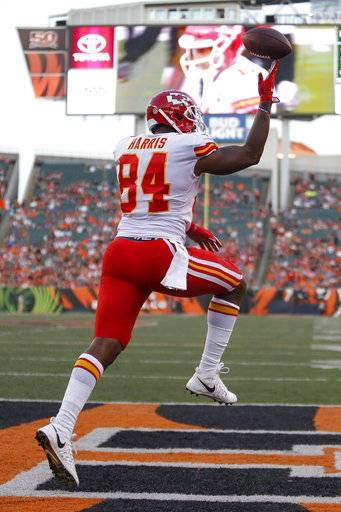 Kansas City Chiefs tight end Demetrius Harris (84) celebrates after scoring a touchdown during the first half of an NFL preseason football game against the Cincinnati Bengals, Saturday, Aug. 19, 2017, in Cincinnati.