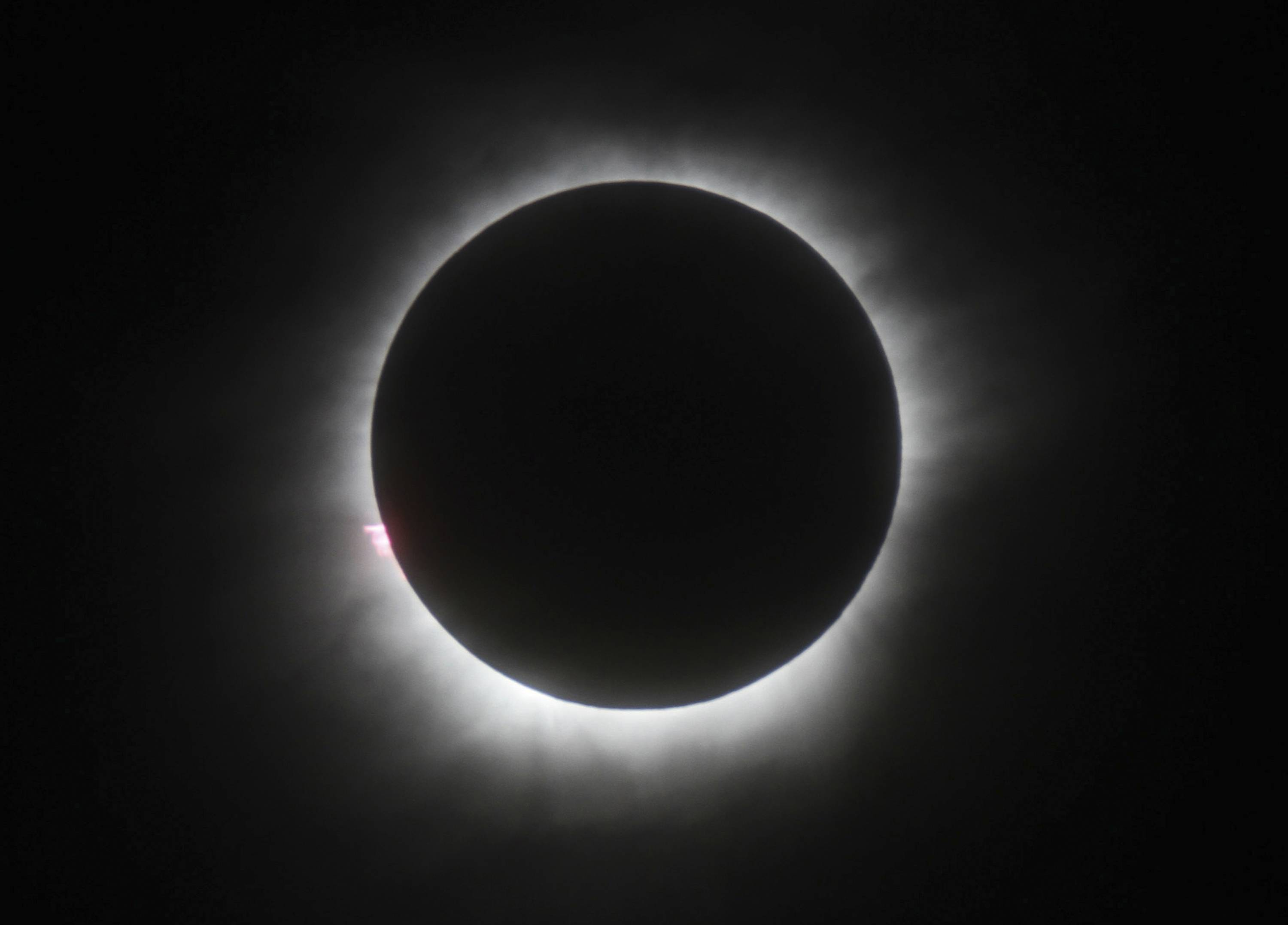 Eclipse offers power companies opportunity for experiments