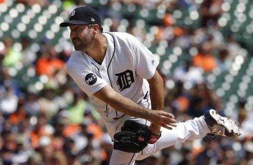 Detroit Tigers starting pitcher Justin Verlander throws during the third inning of a baseball game against the Los Angeles Dodgers, Sunday, Aug. 20, 2017, in Detroit.