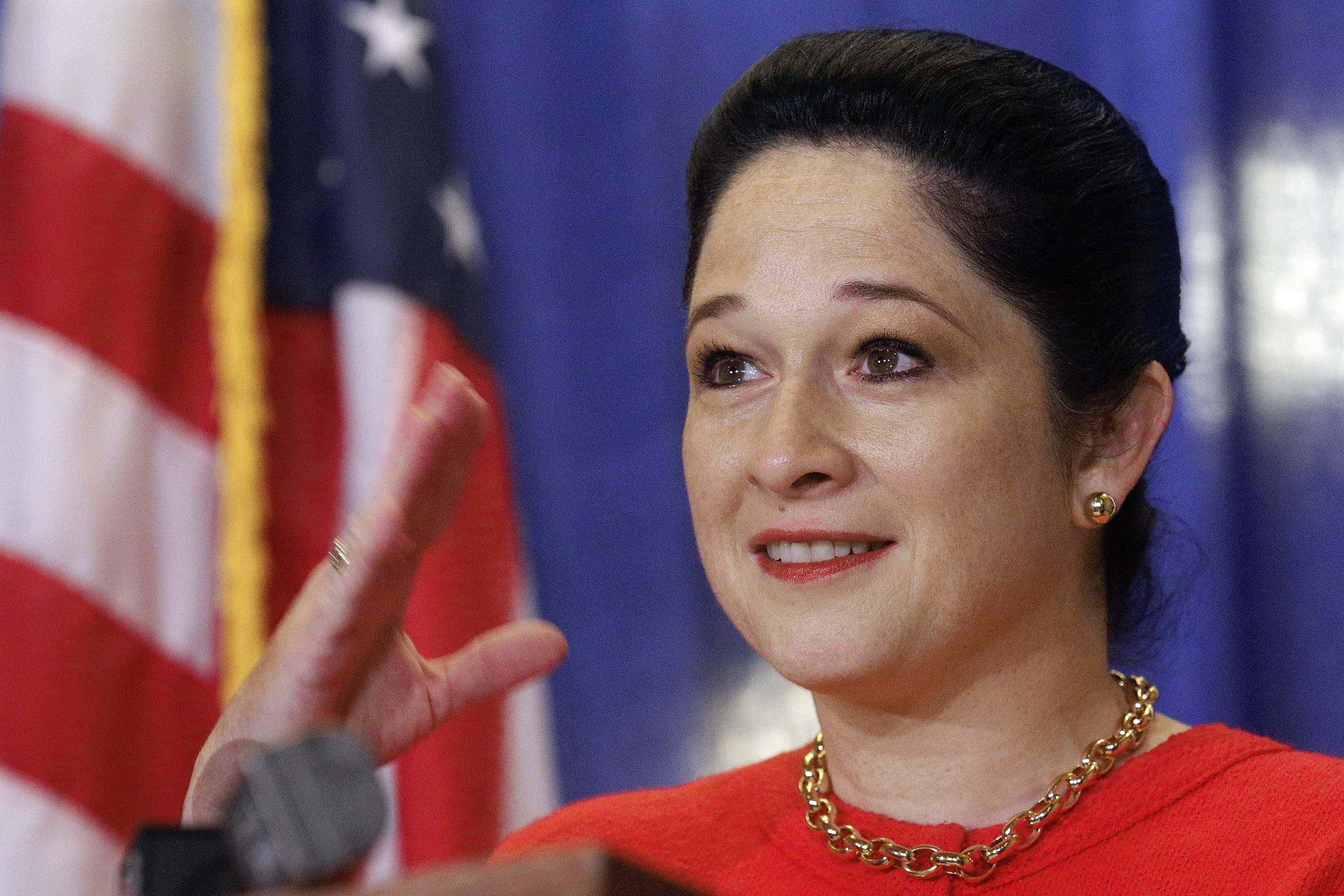 Legislation vetoed by Gov. Bruce Rauner would have given Illinois Comptroller Susana Mendoza, above, greater control over paying down the $15 billion backlog of state bills.