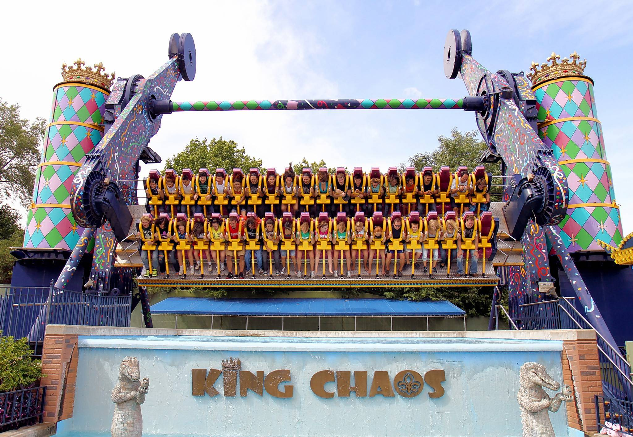 Courtesy of Six Flags Entertainment Corp. Riders roll and rotate on King Chaos.