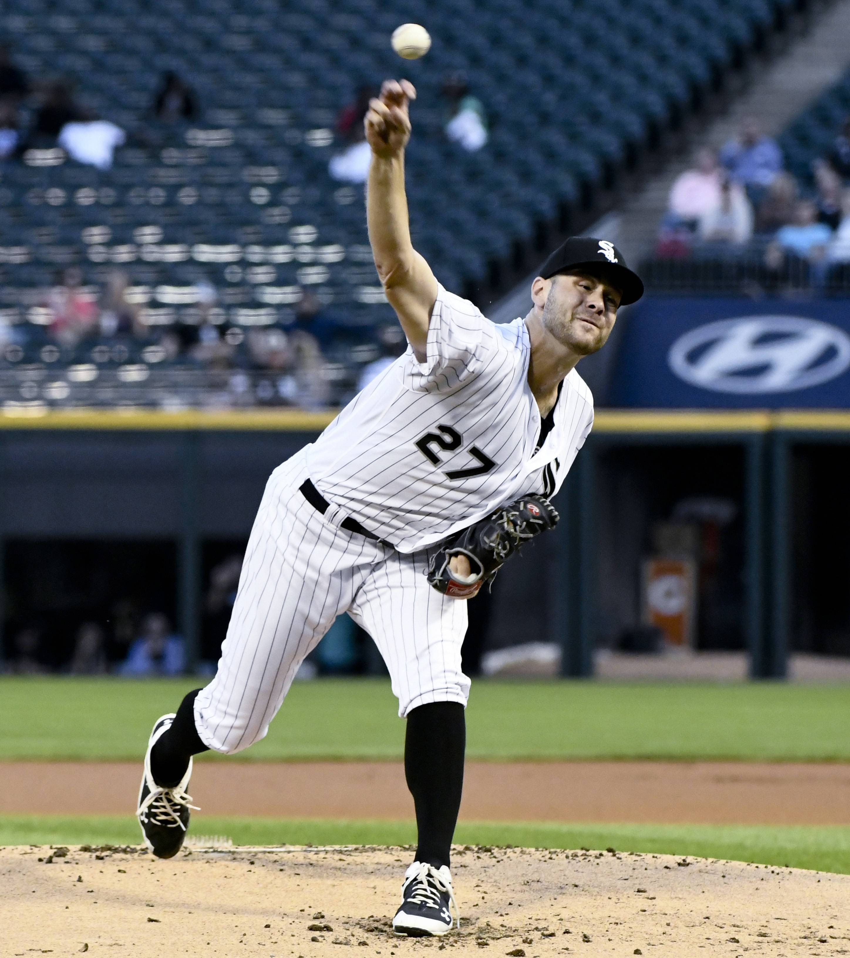 Chicago White Sox starting pitcher Lucas Giolito delivers against the Minnesota Twins during the first inning of a baseball game in Chicago on Tuesday, Aug. 22, 2017. (AP Photo/Matt Marton)