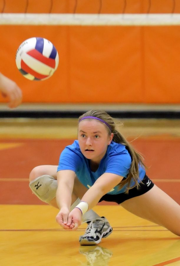 Steve Lundy/slundy@dailyherald.comWauconda's Jane Sakowicz returns a serve during regional volleyball action Monday night in Buffalo Grove.