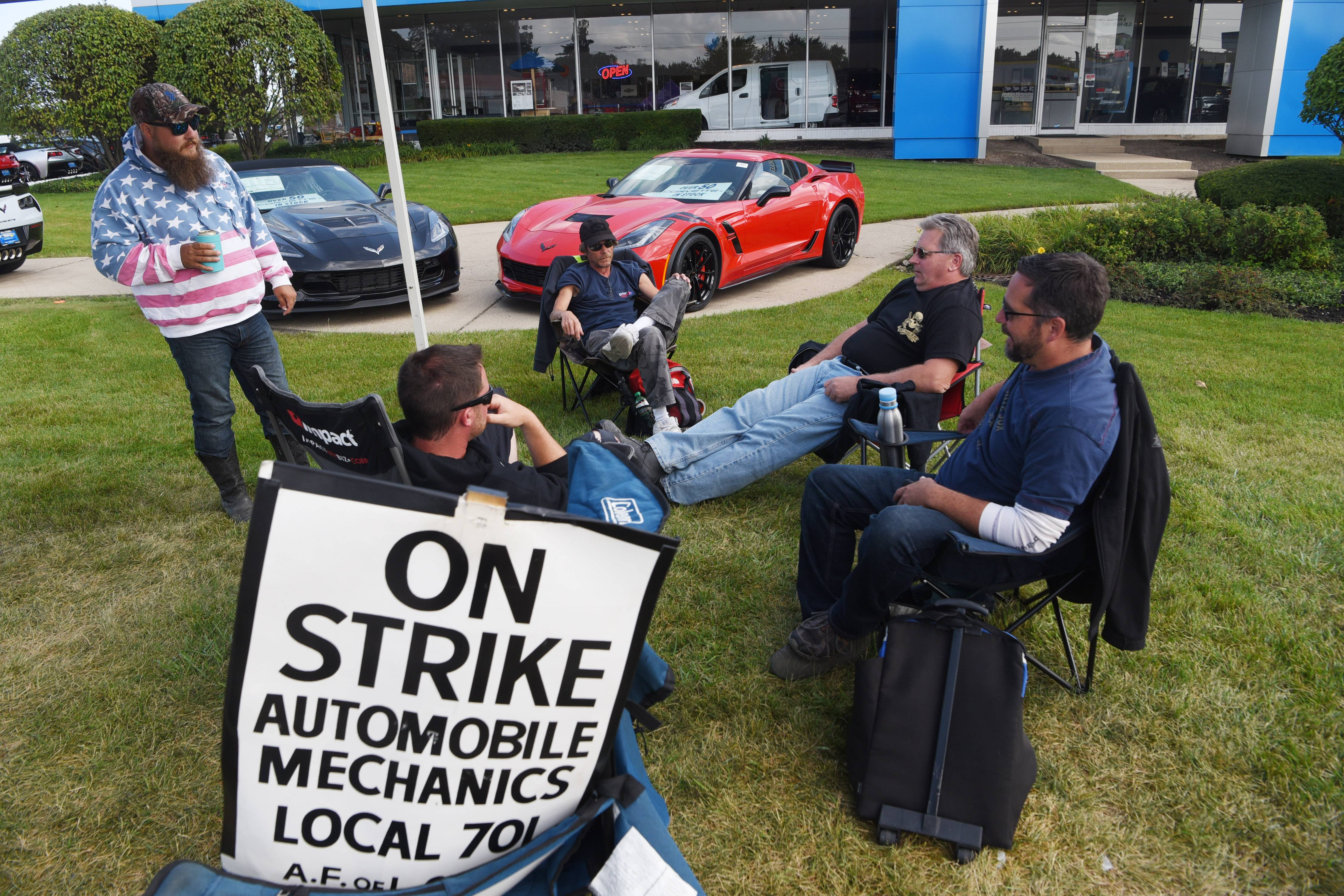 No joy in strike, auto mechanics say