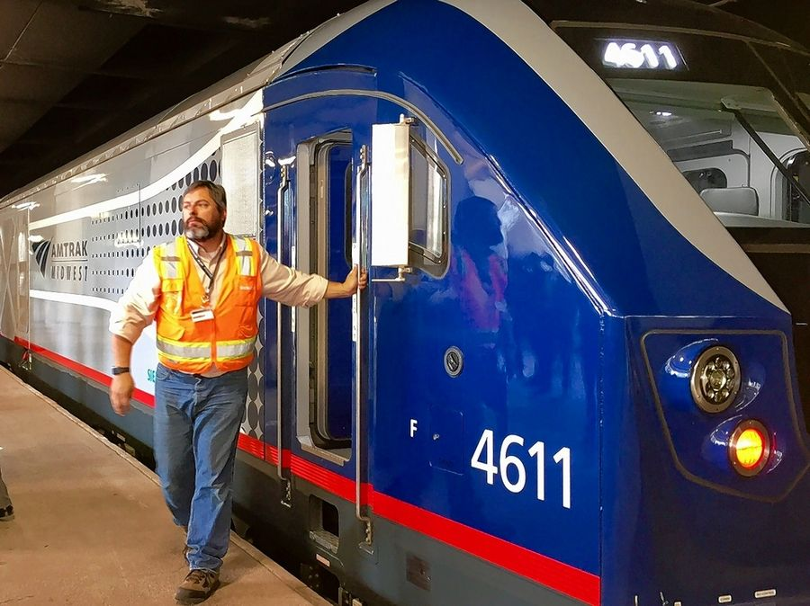 High-speed Amtrak service from Chicago to St  Louis will