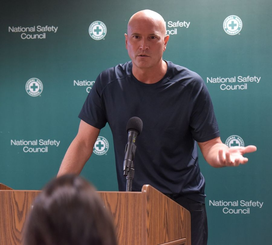 Former NBA player Rex Chapman talks about his struggle with prescription opioid addiction.