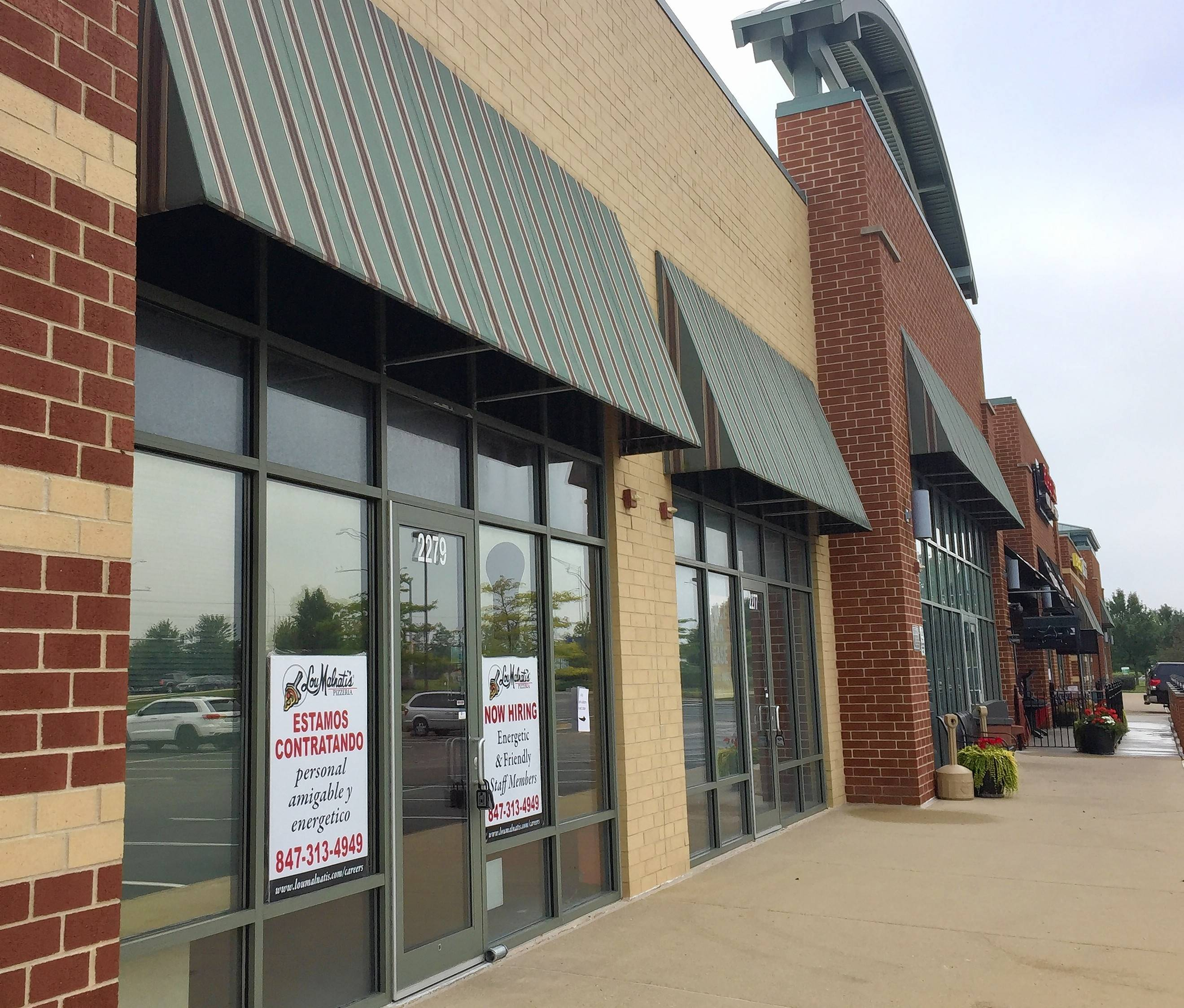 A Lou Malnati's is opening in November along Randall Road in Carpentersville.