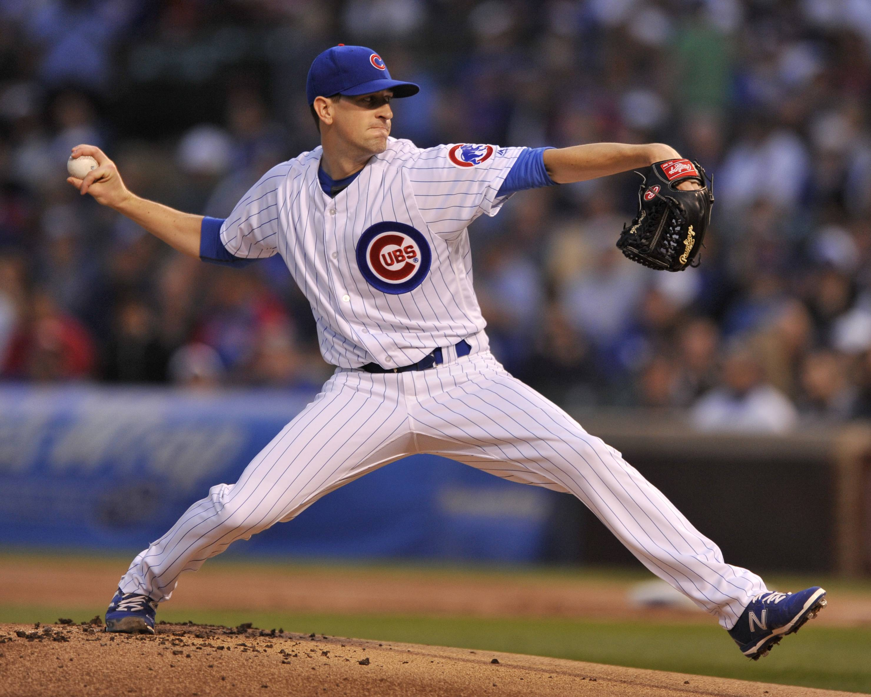 Chicago Cubs starter Kyle Hendricks delivers a pitch during the first inning of a baseball game against the Atlanta Braves, Thursday, Aug. 31, 2017, in Chicago. (AP Photo/Paul Beaty)