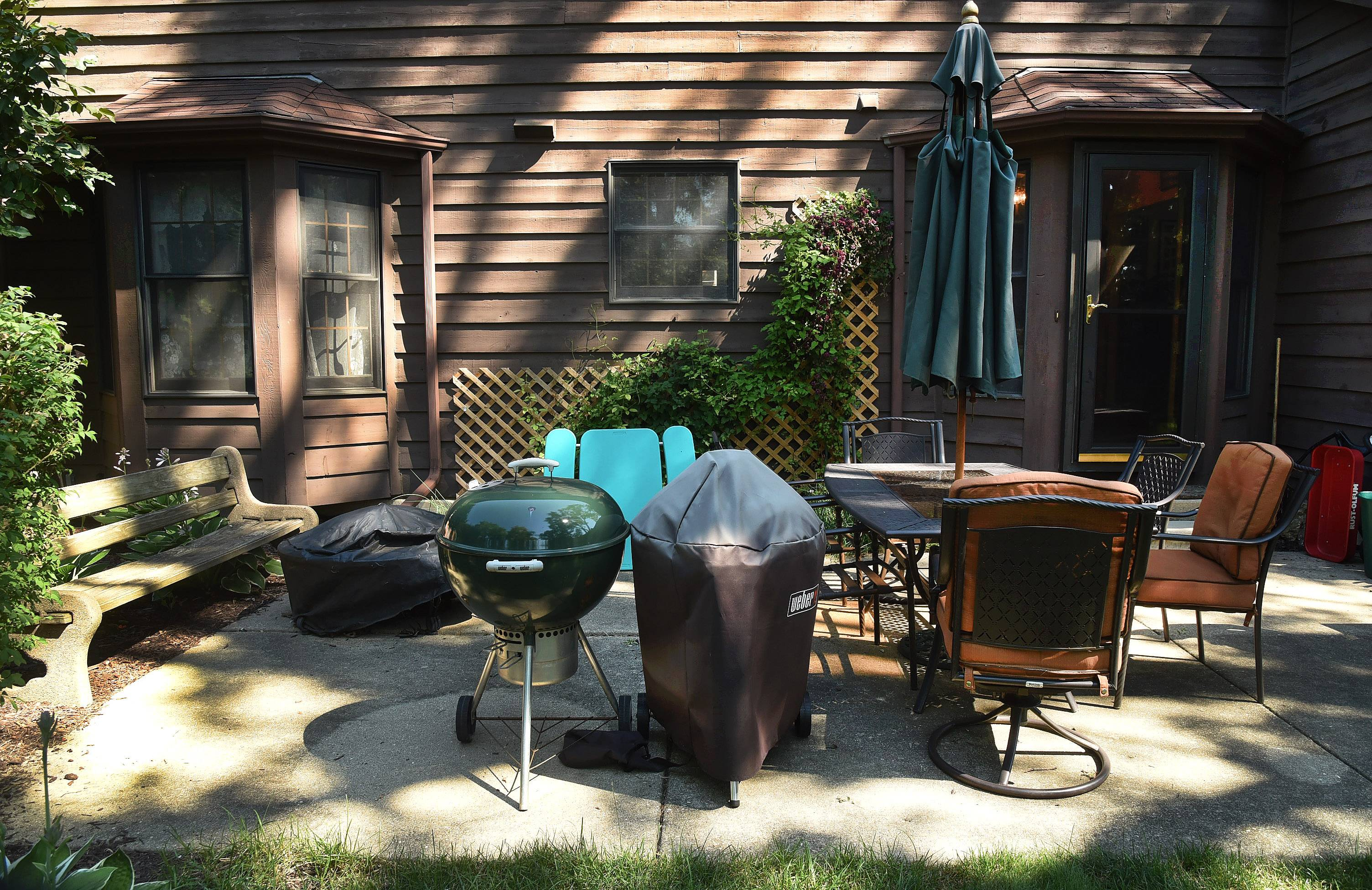 Get Your Summer On contest winners Shirley and Larry Allison's backyard in Des Plaines prior to its makeover.