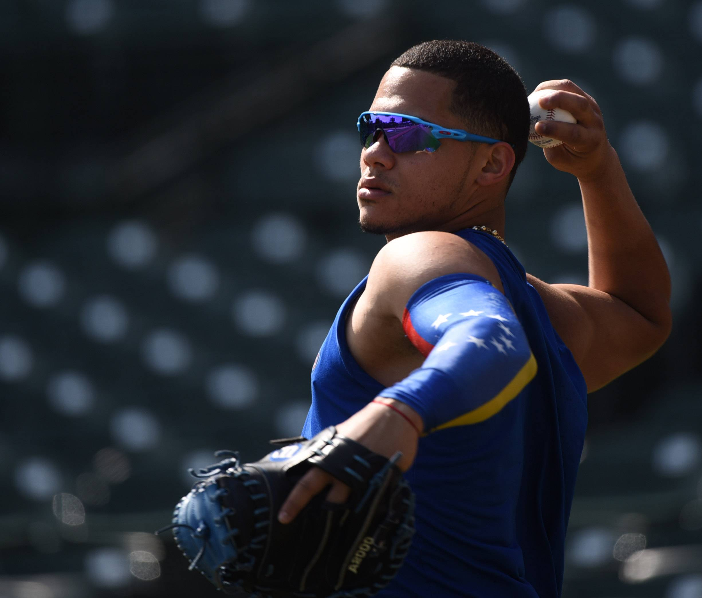 Joe Lewnard/jlewnard@dailyherald.com Chicago Cubs catcher Willson Contreras, who has been on the disabled list since August 11 with a pulled hamstring, works out at Wrigley Field in Chicago Friday morning.