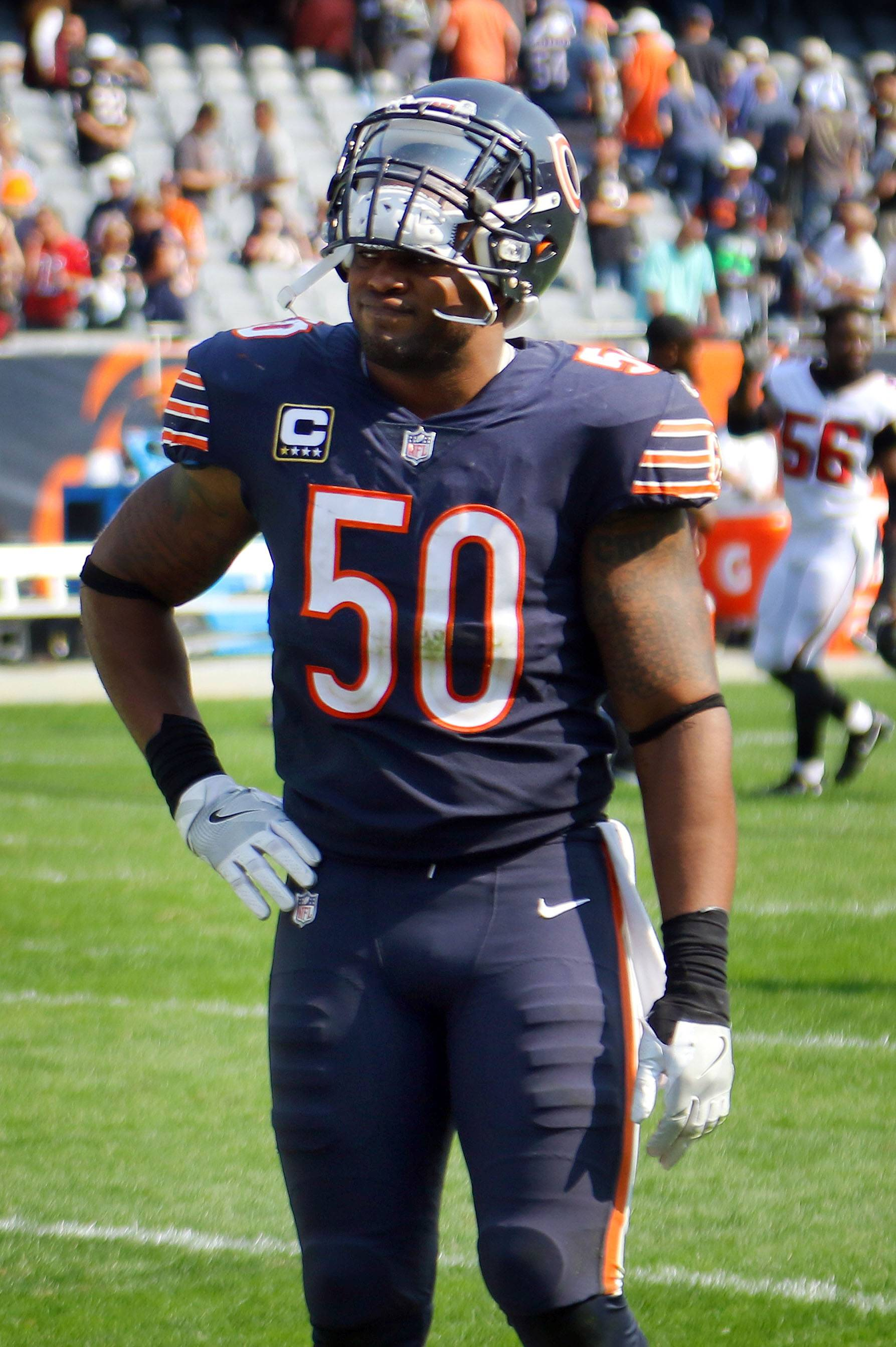Steve Lundy/slundy@dailyherald.comChicago Bears inside linebacker Jerrell Freeman walks off the field after losing to the Atlanta Falcons 23-17 Sunday, September 10, 2017 at Soldier Field on Chicago.