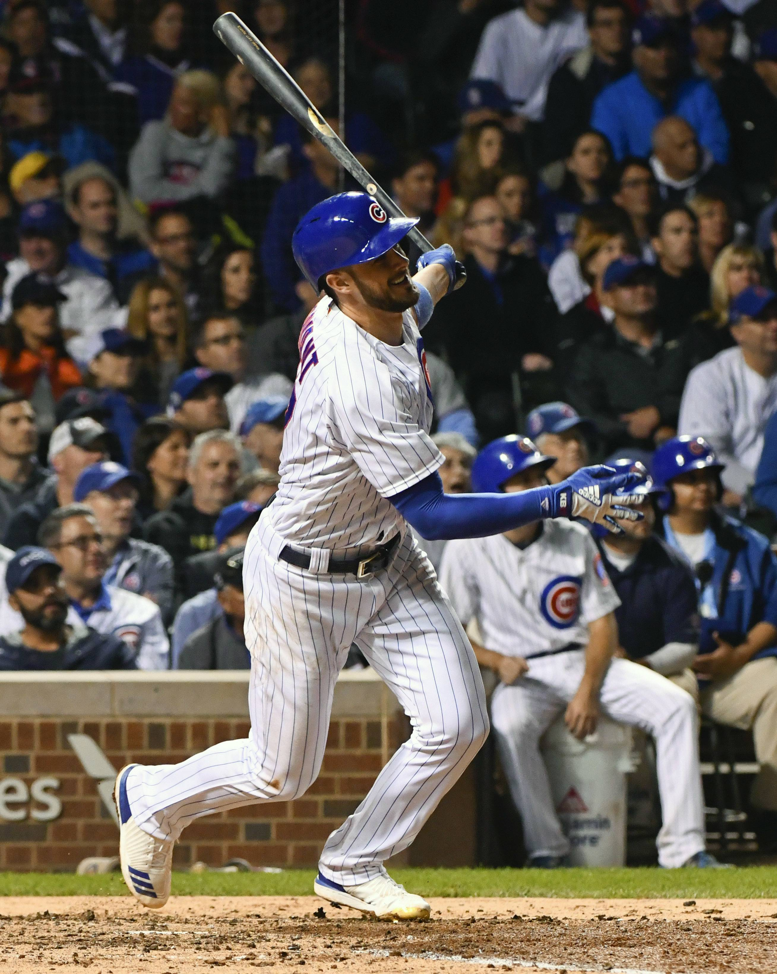 Cubs third baseman Kris Bryant watches his 3-run homer leave the yard against the New York Mets during the fourth inning at Wrigley Field on Tuesday.