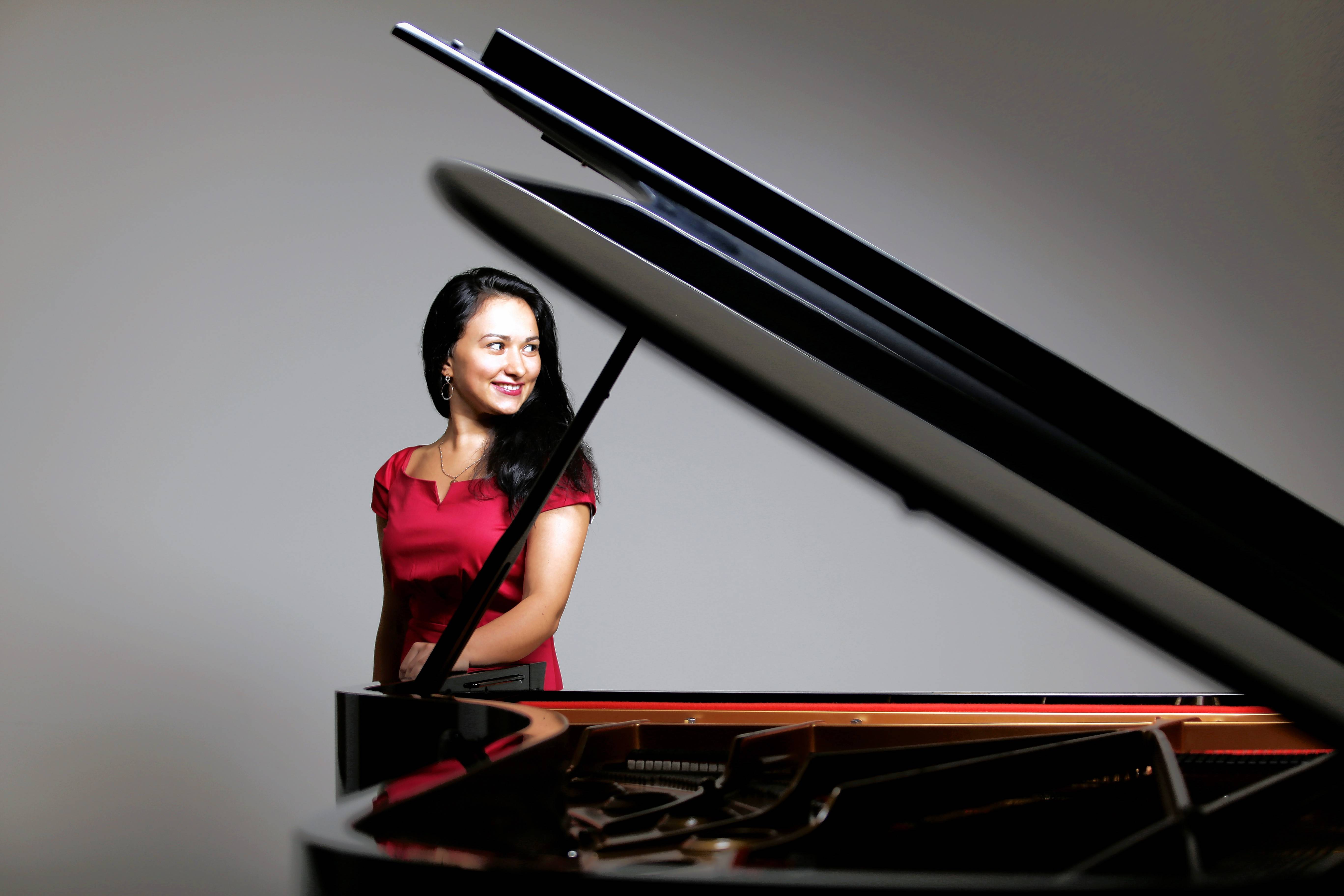 The Elgin Symphony Orchestra opens its new season with pianist Dinara Klinton as soloist.