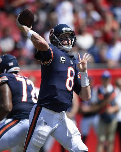 Chicago Bears quarterback Mike Glennon (8) looks to pass, during the first half of an NFL football gameagainst the Tampa Bay Buccaneers, Sunday, Sept. 17, 2017, in Tampa, Fla. (AP Photo/Jason Behnken)